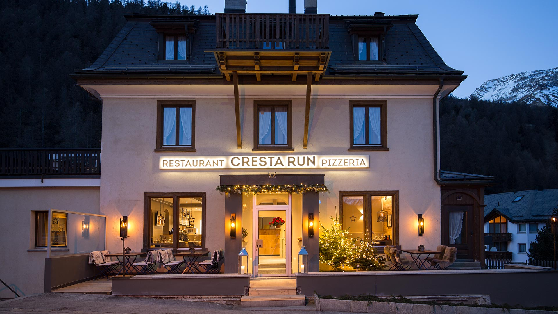 Restaurant Pizzeria Cresta Run Slide 2