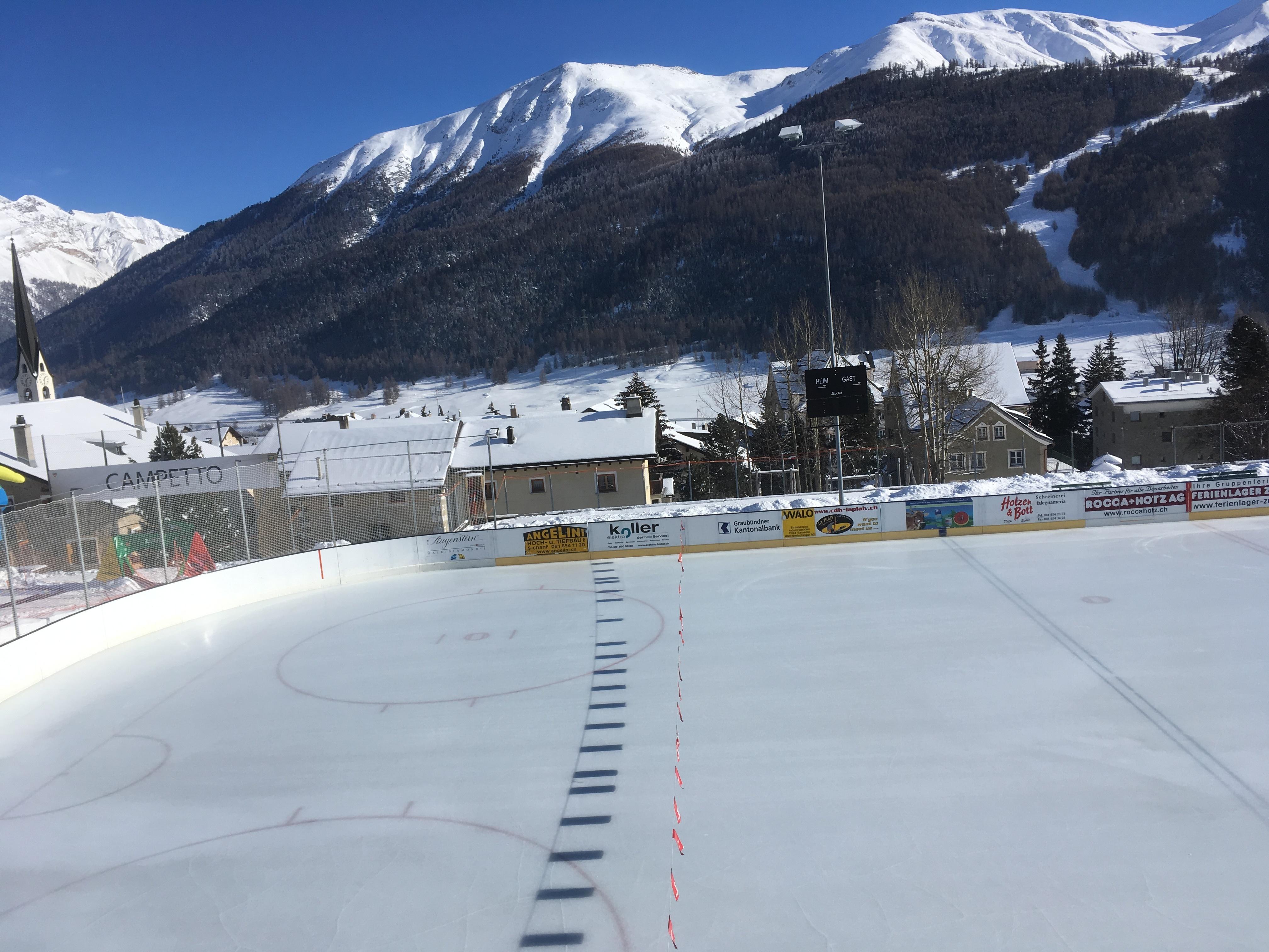 Eisplatz Purtum Zuoz Slide 4