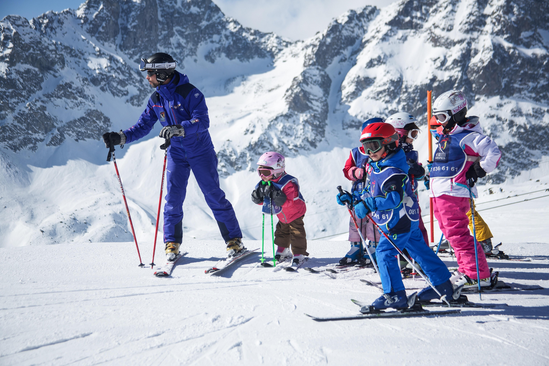 Suvretta Snowsports School Slide 1