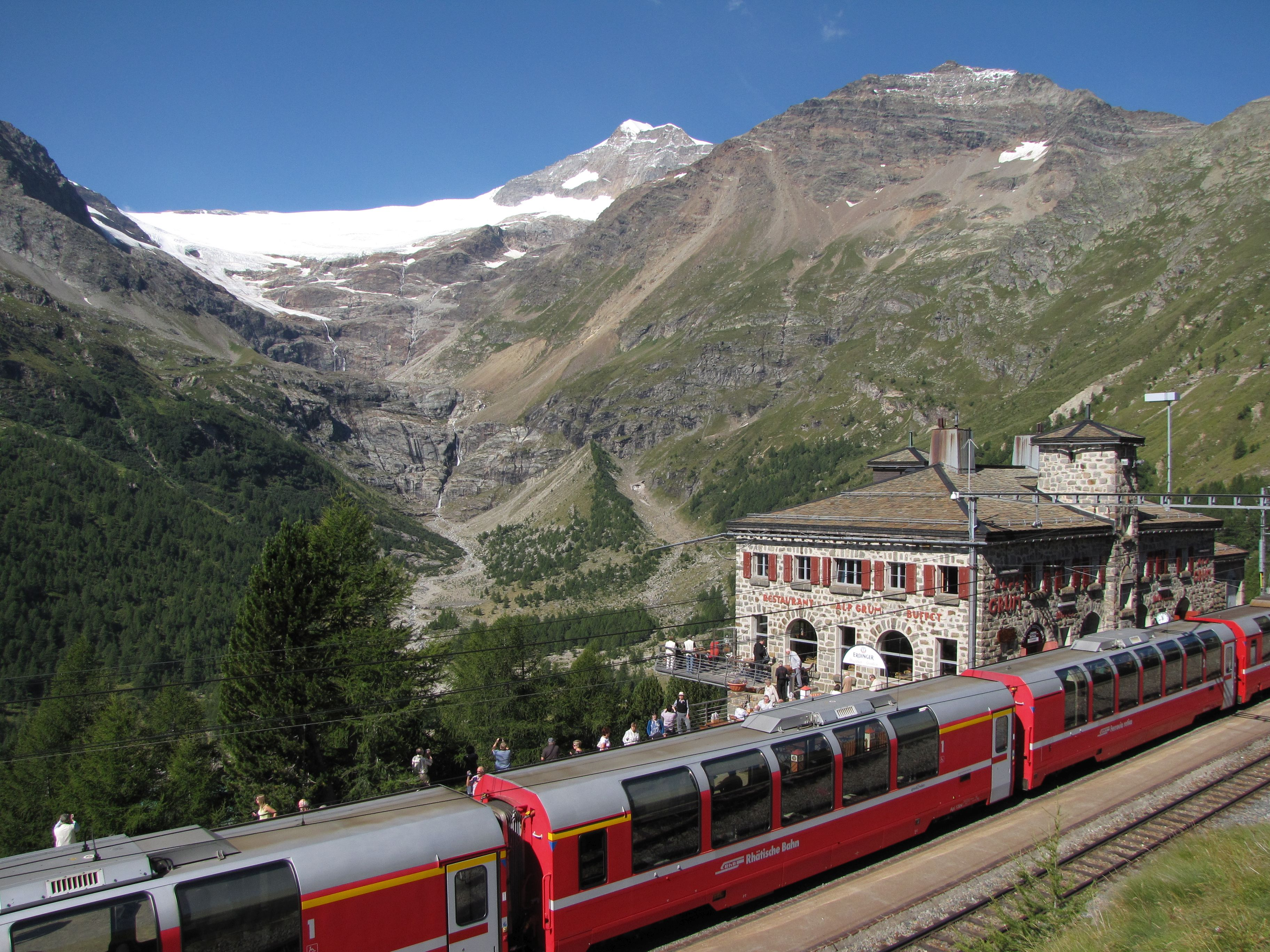 Albergo Ristorante Alp Grüm Slide 4
