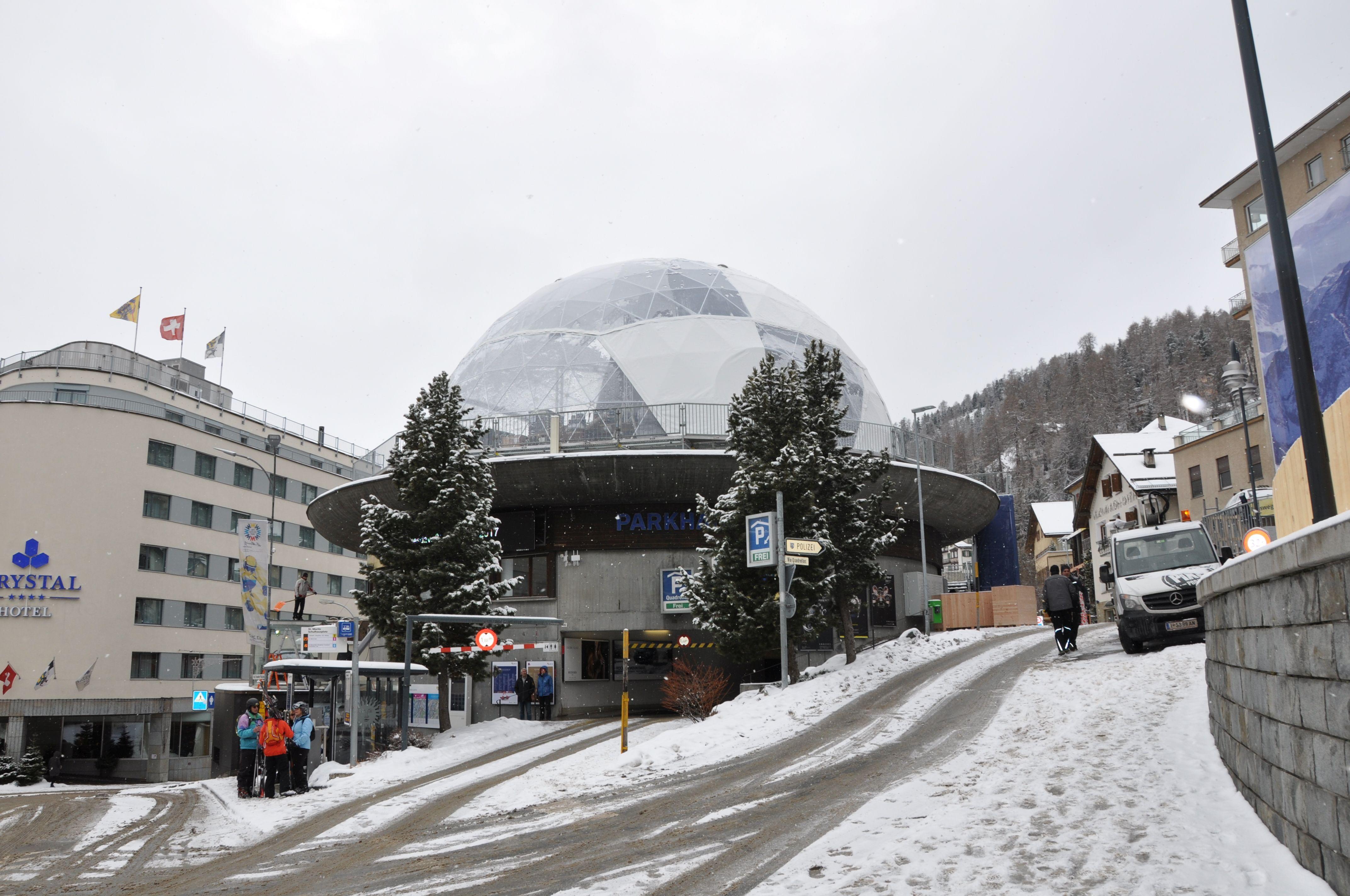 """Eurosport-TV sendet während der Ski WM vom """"House of St. Moritz"""" Slide 1"""