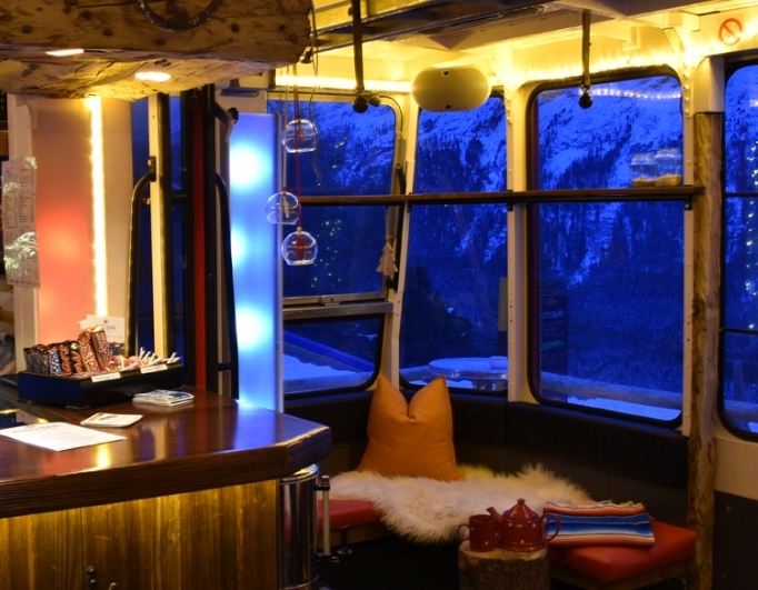 ALTO BAR - Lounge & Tearoom Slide 2