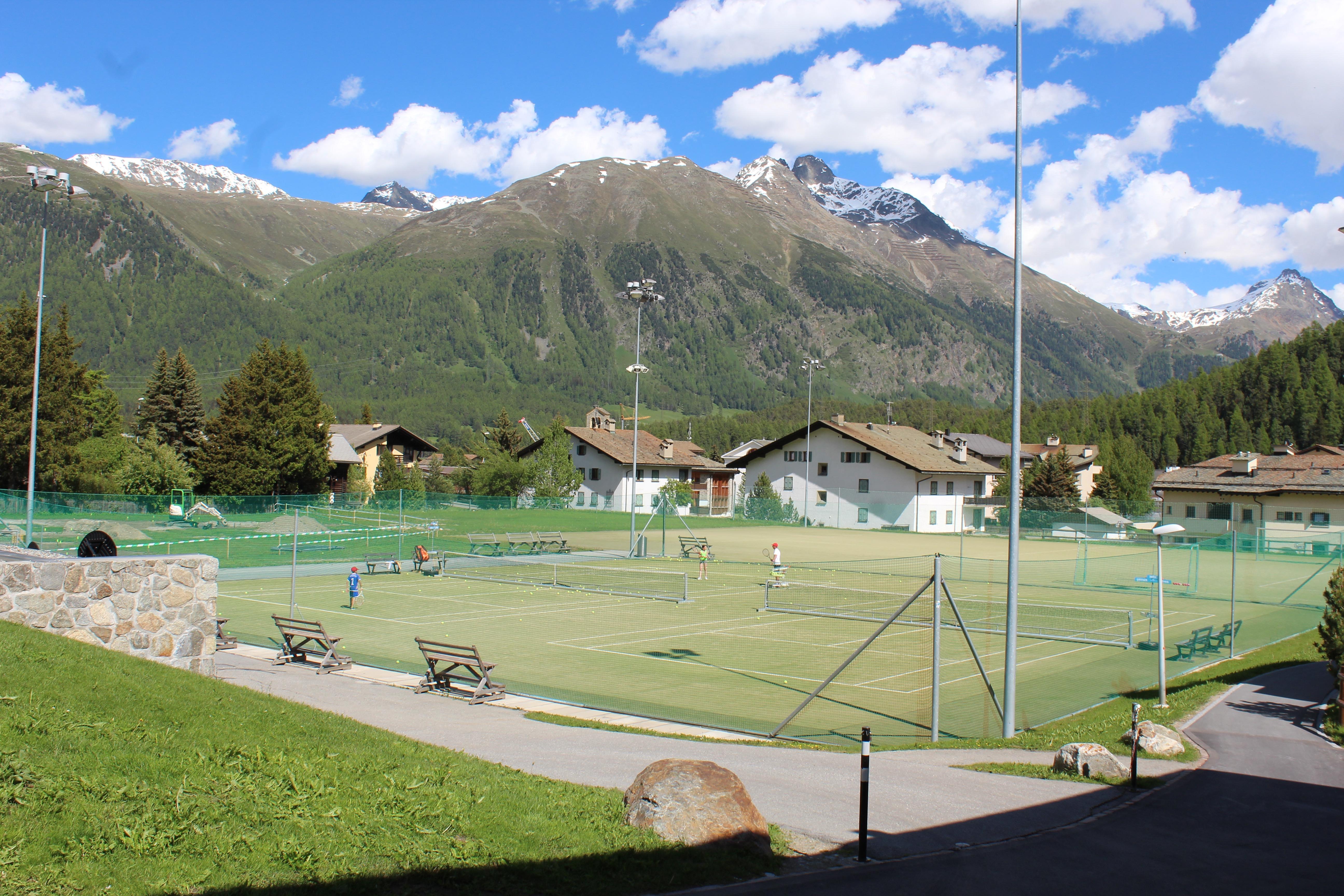 Tennisplatz Cresta Palace Slide 1