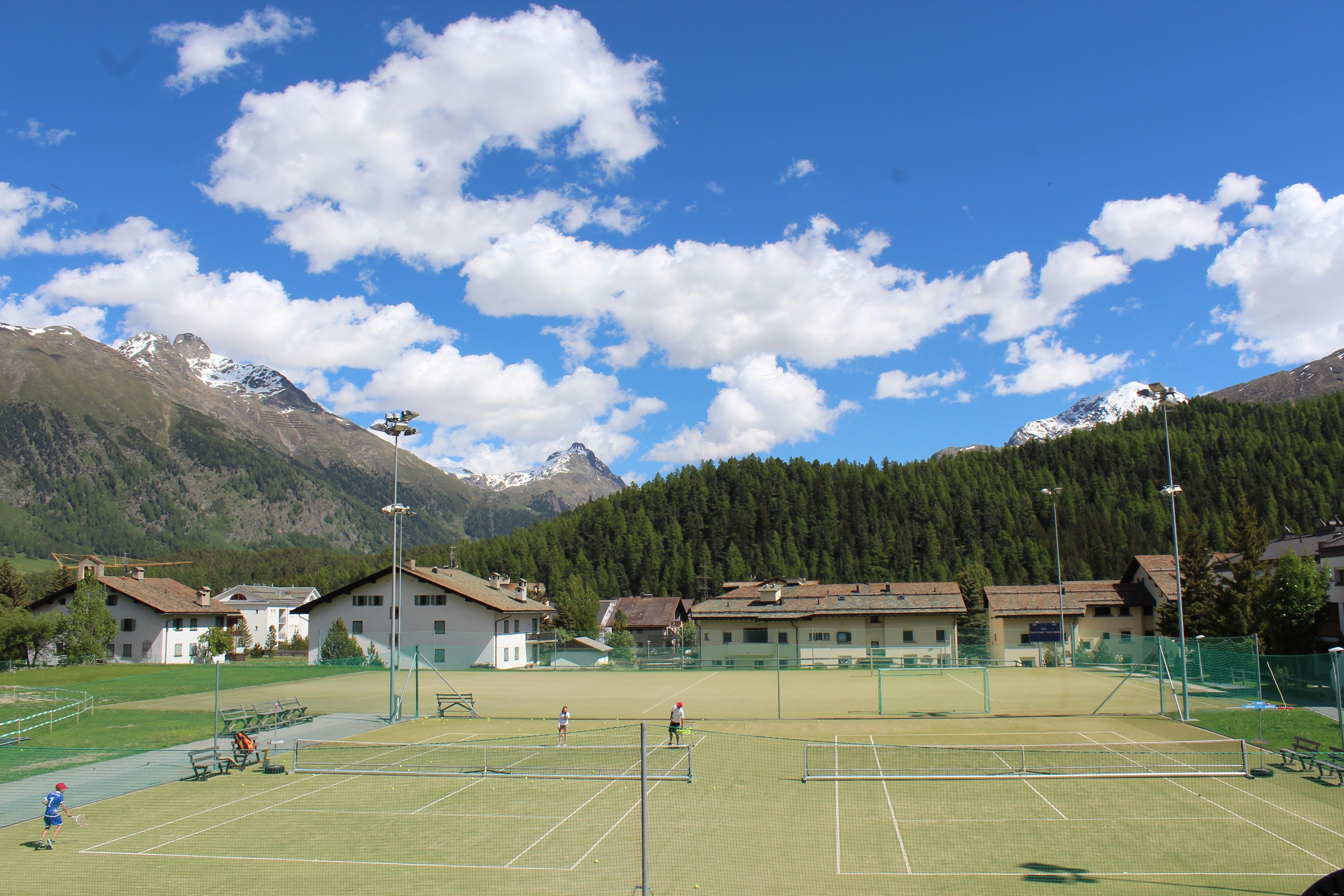 Tennisplatz Cresta Palace Slide 2