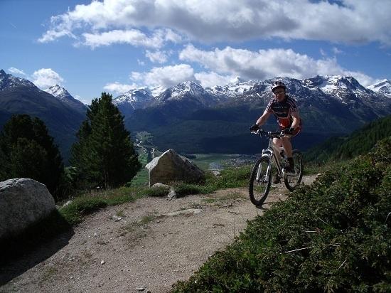 Bär Snowsports Engadin, Bike-, Berg- und Schneesportschule Slide 6