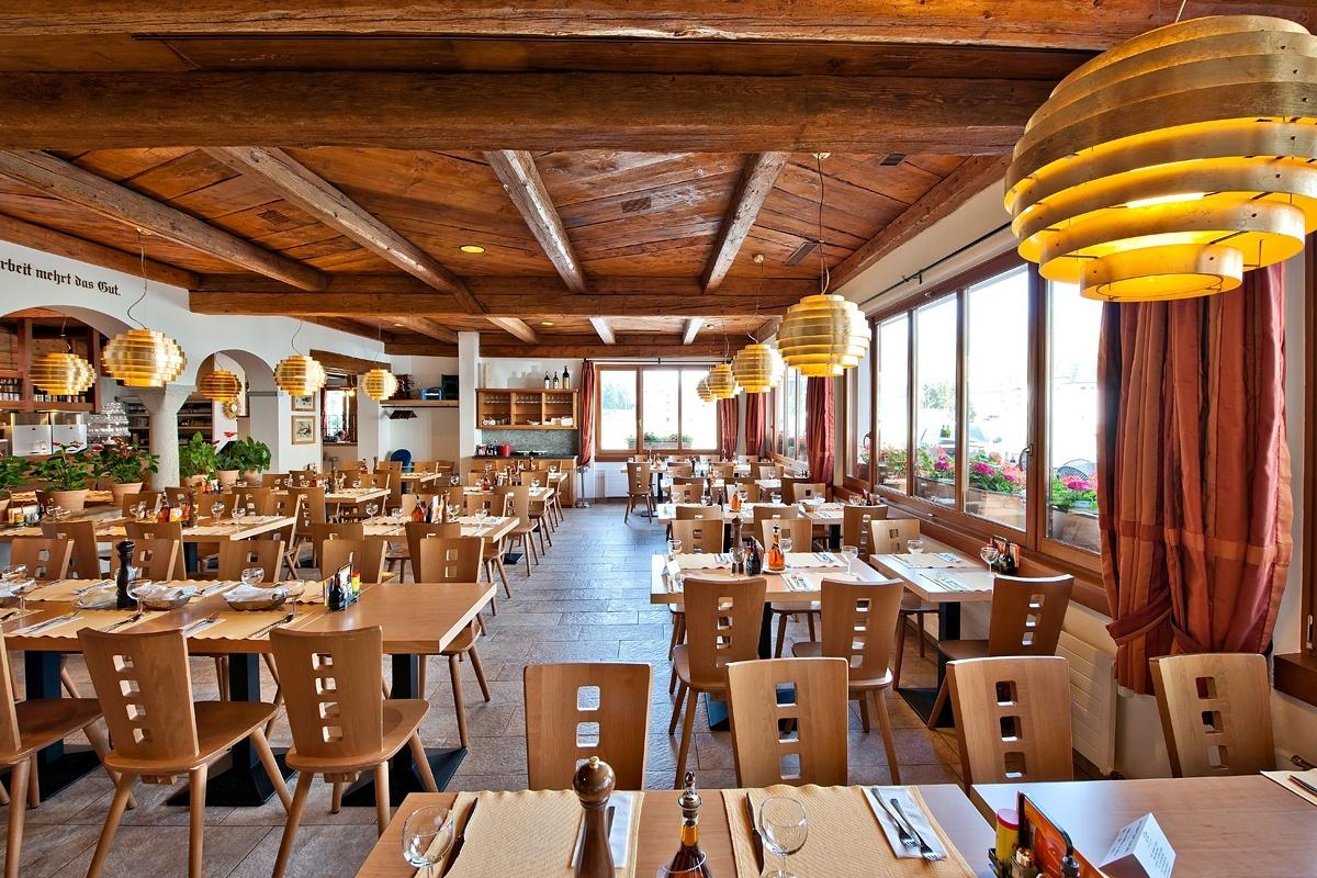 Hotel Restaurant Pizzeria Sonne Slide 6
