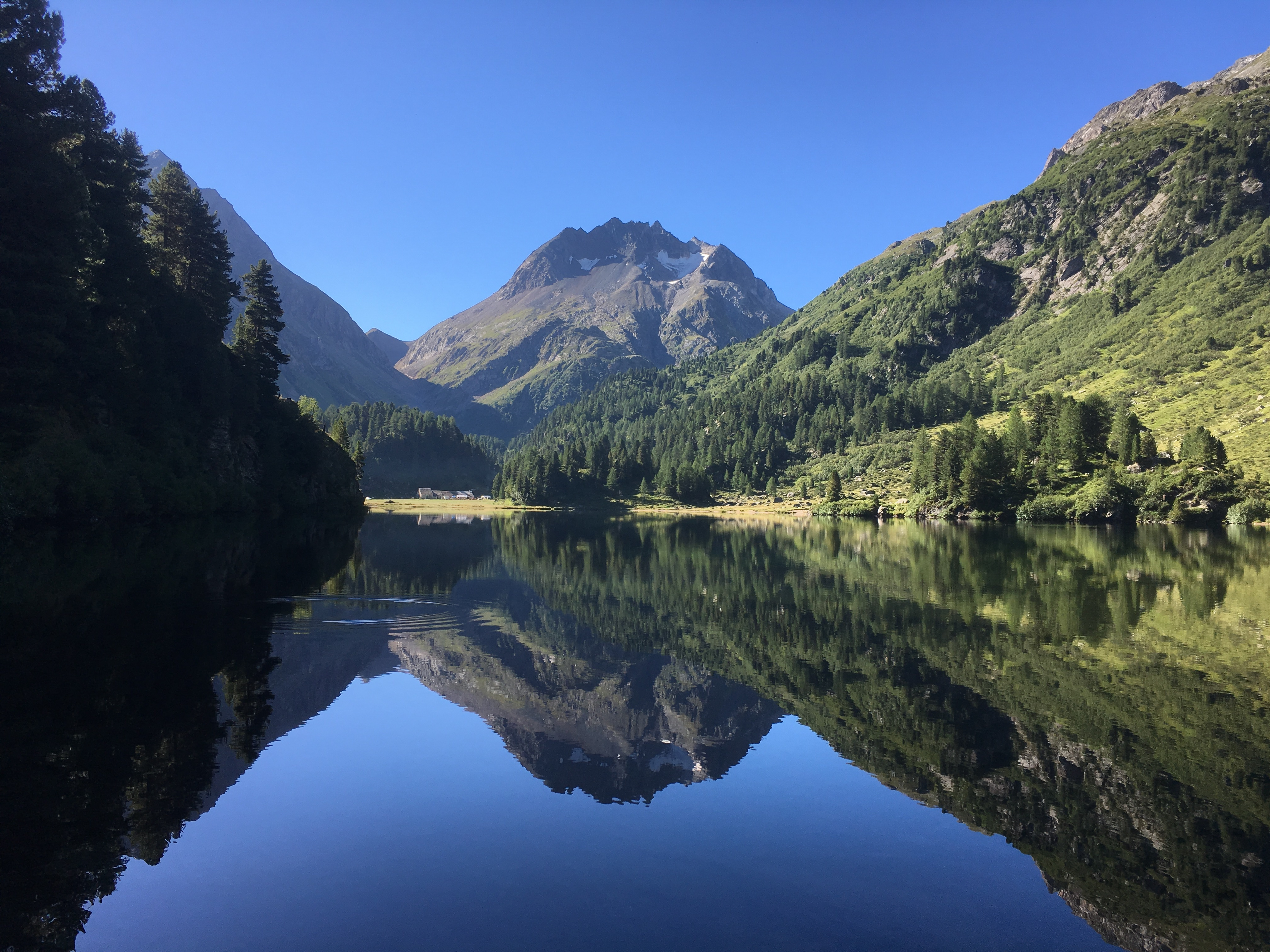 Bernina Trekking (Rudolf Wiesner, Wanderleiter mit Eidg. Fachausweis) Slide 2