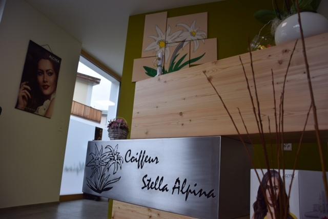 Coiffeur Stella Alpina Slide 3