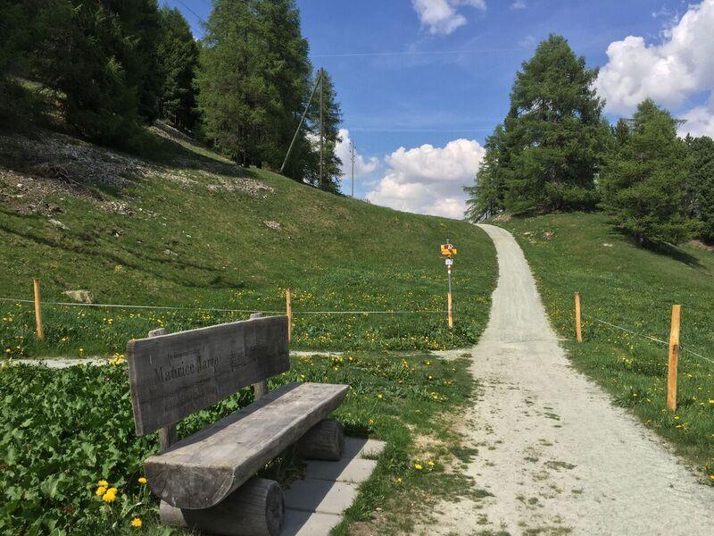 Sitzbank Clavanövs Slide 2