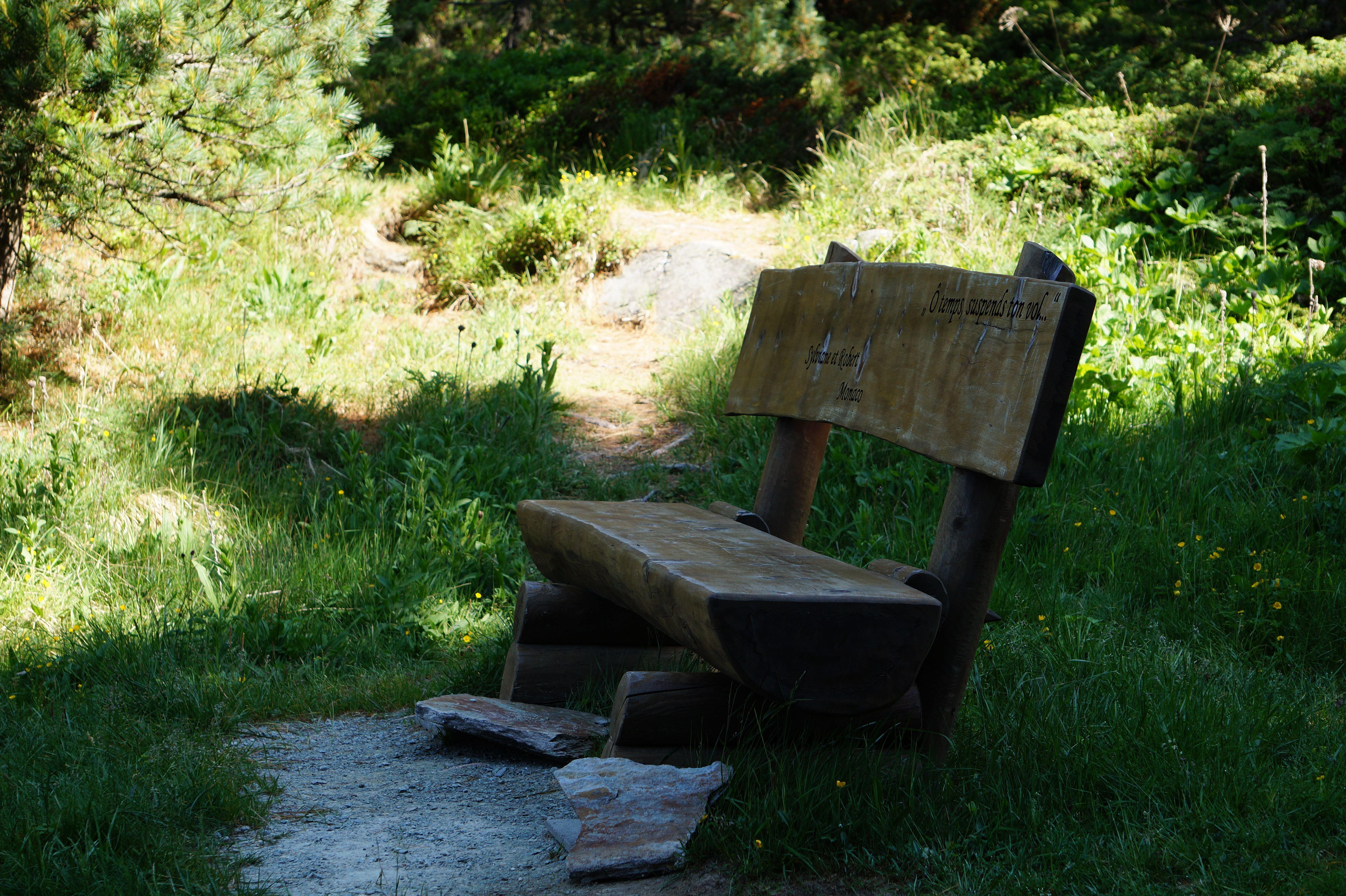 Sitzbänkli auf Halbinsel Chastè Slide 2