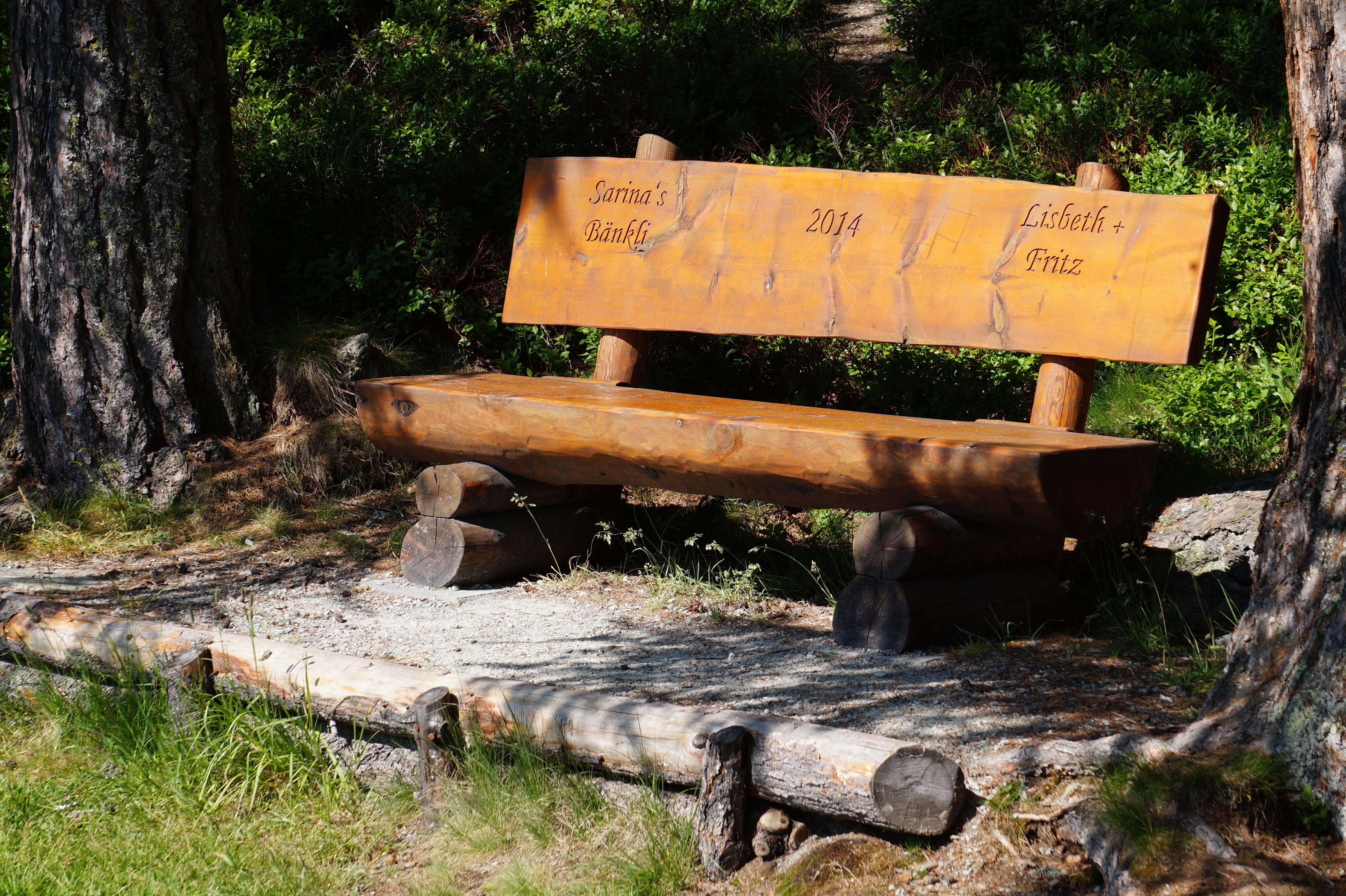 Sitzbänkli auf Halbinsel Chastè Slide 4
