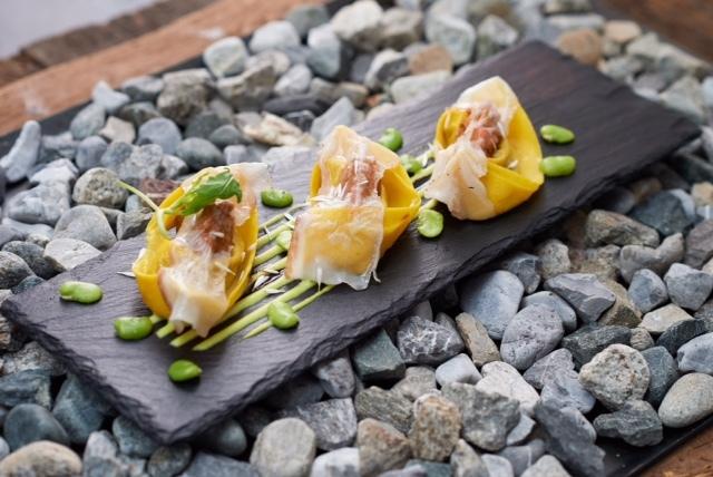 Restaurant Colani Slide 19