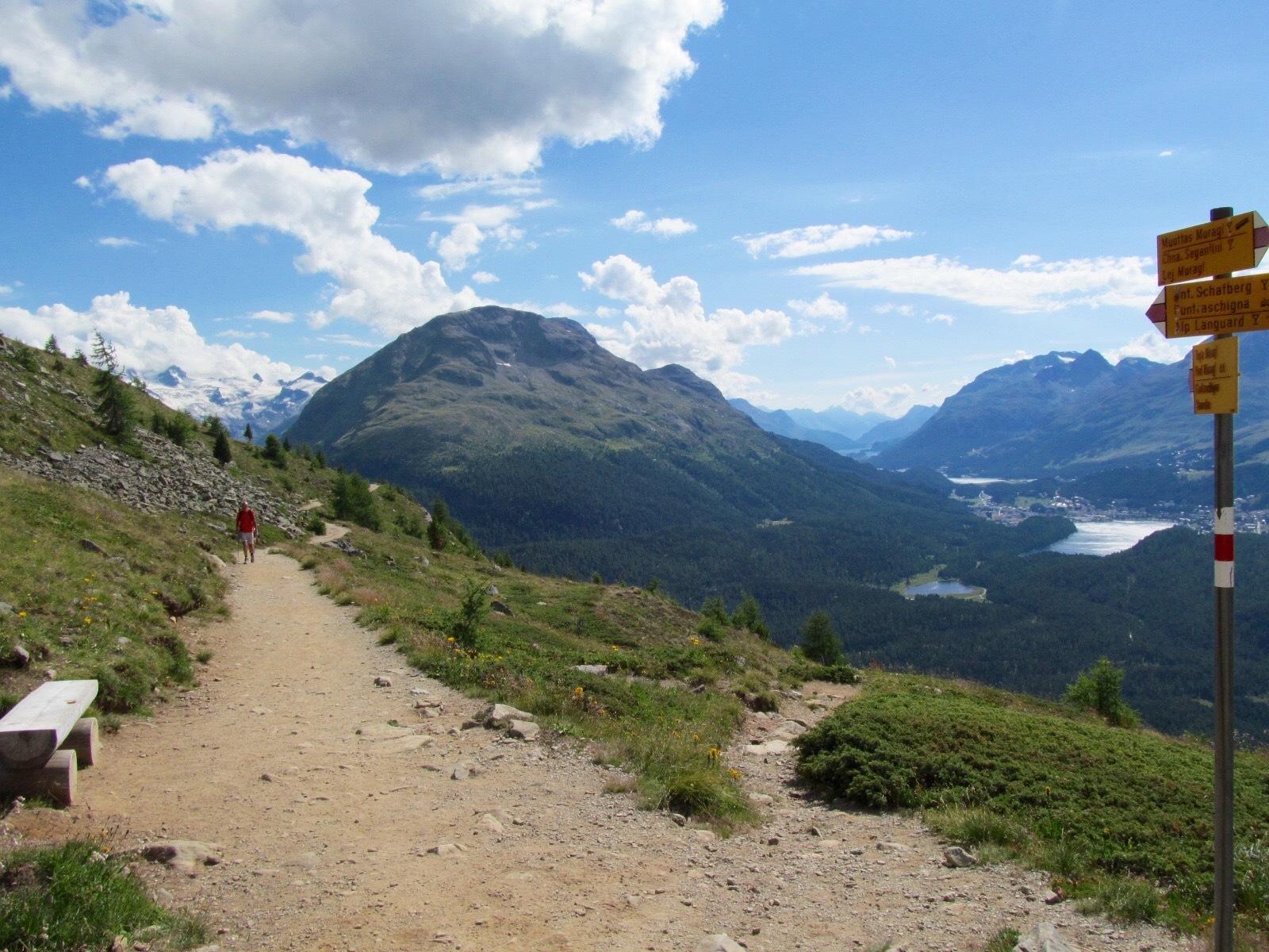 Sitzbänke Panoramaweg Muottas-Muragl - Alp Languard Slide 1