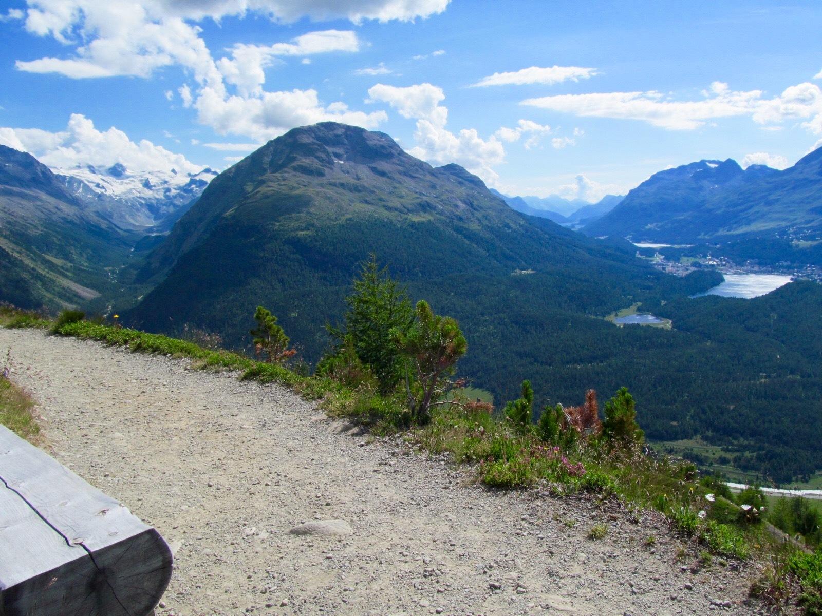 Sitzbänke Panoramaweg Muottas-Muragl - Alp Languard Slide 2