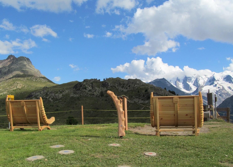 Sitzbänke Panoramaweg Muottas-Muragl - Alp Languard Slide 9