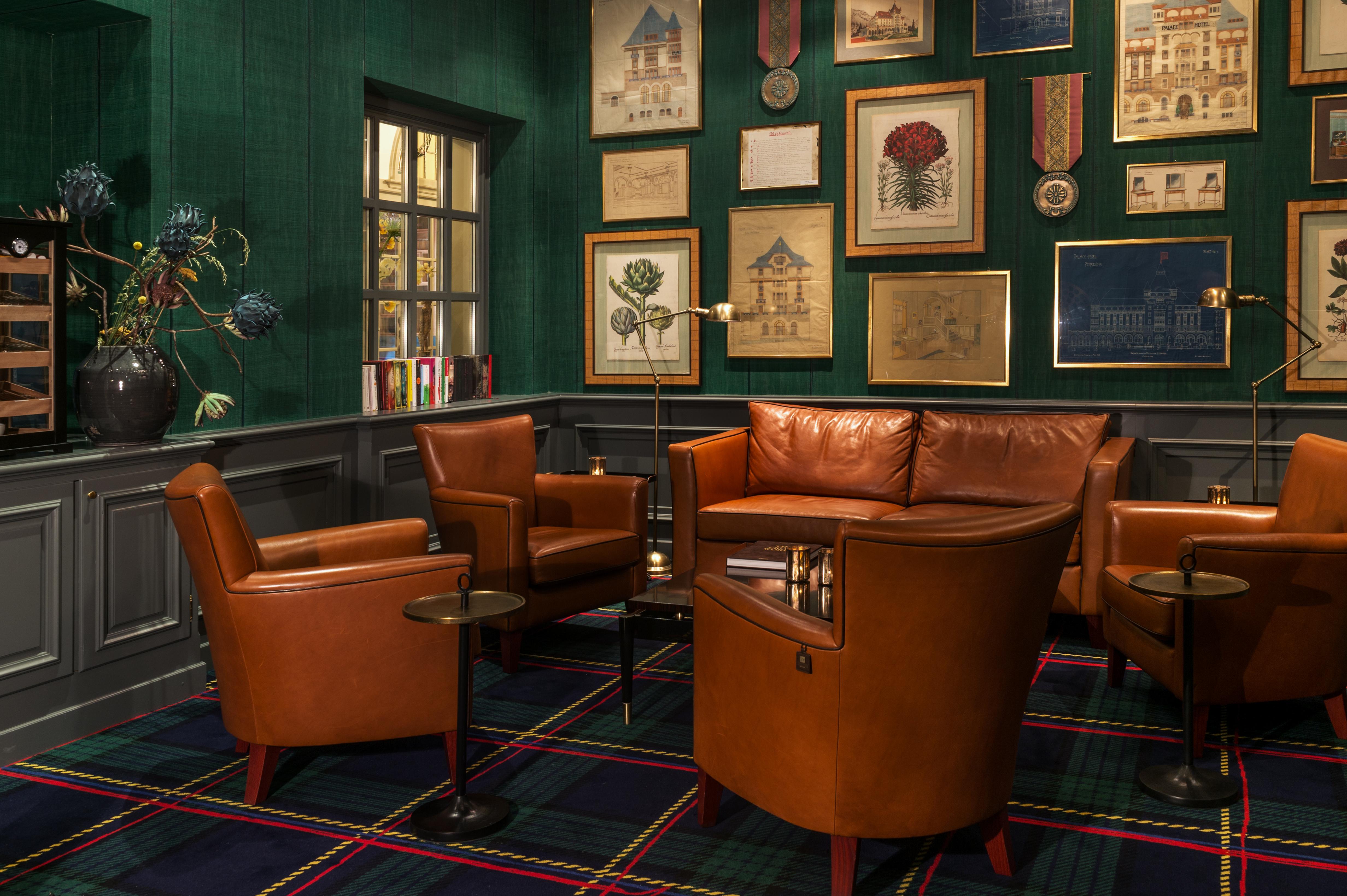 Smoker's Lounge Hotel Walther Slide 1