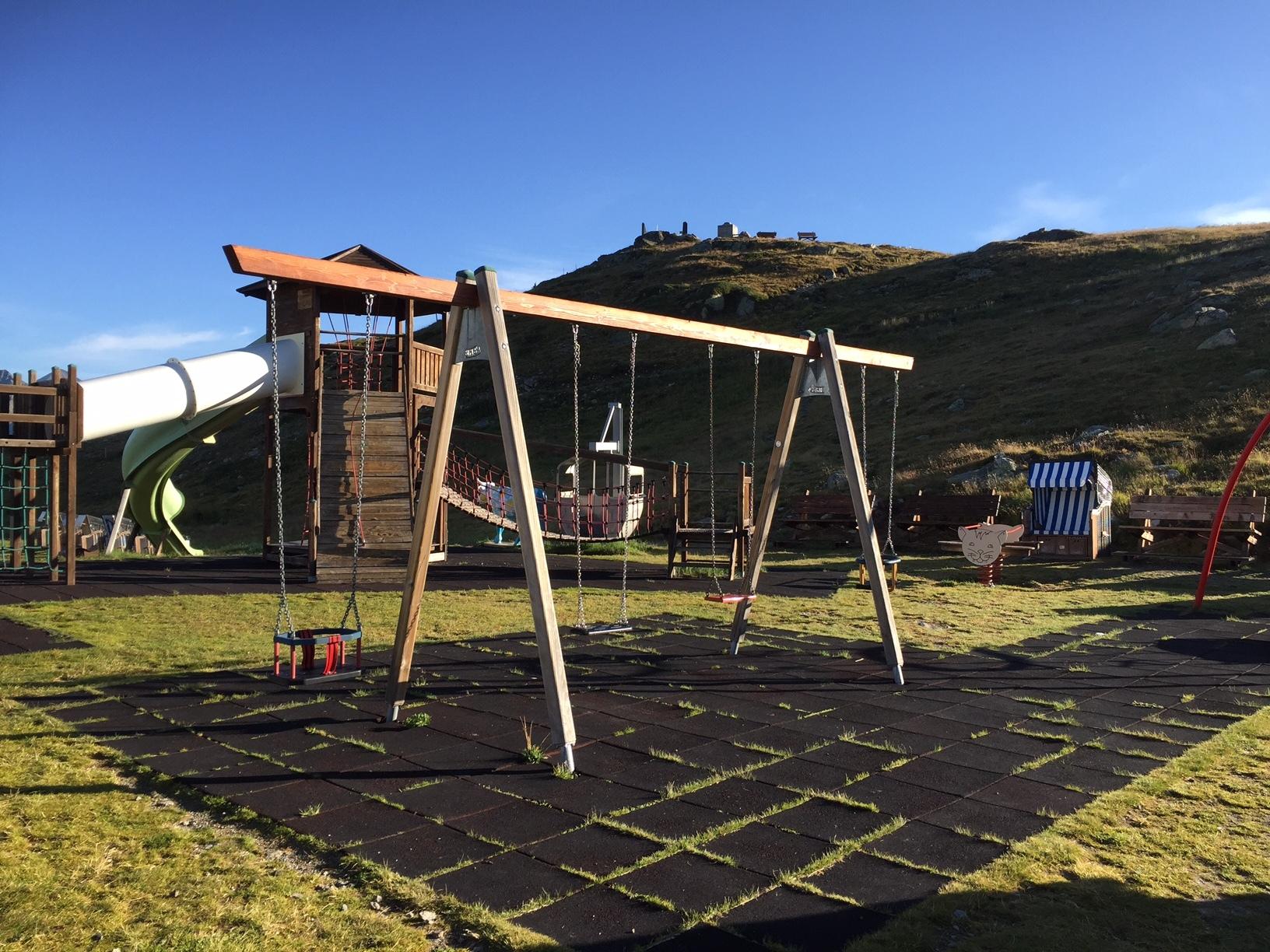 Kinderspielplatz Muottas Muragl Slide 2