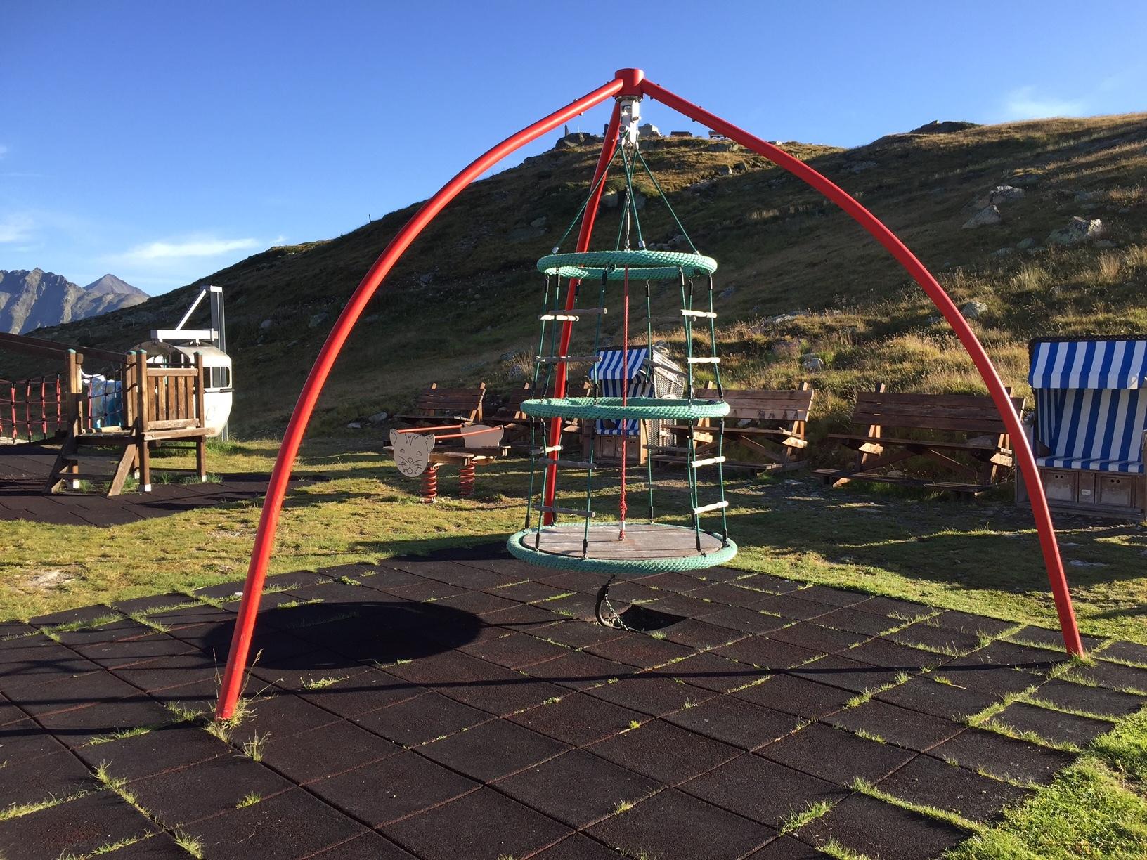 Kinderspielplatz Muottas Muragl Slide 4