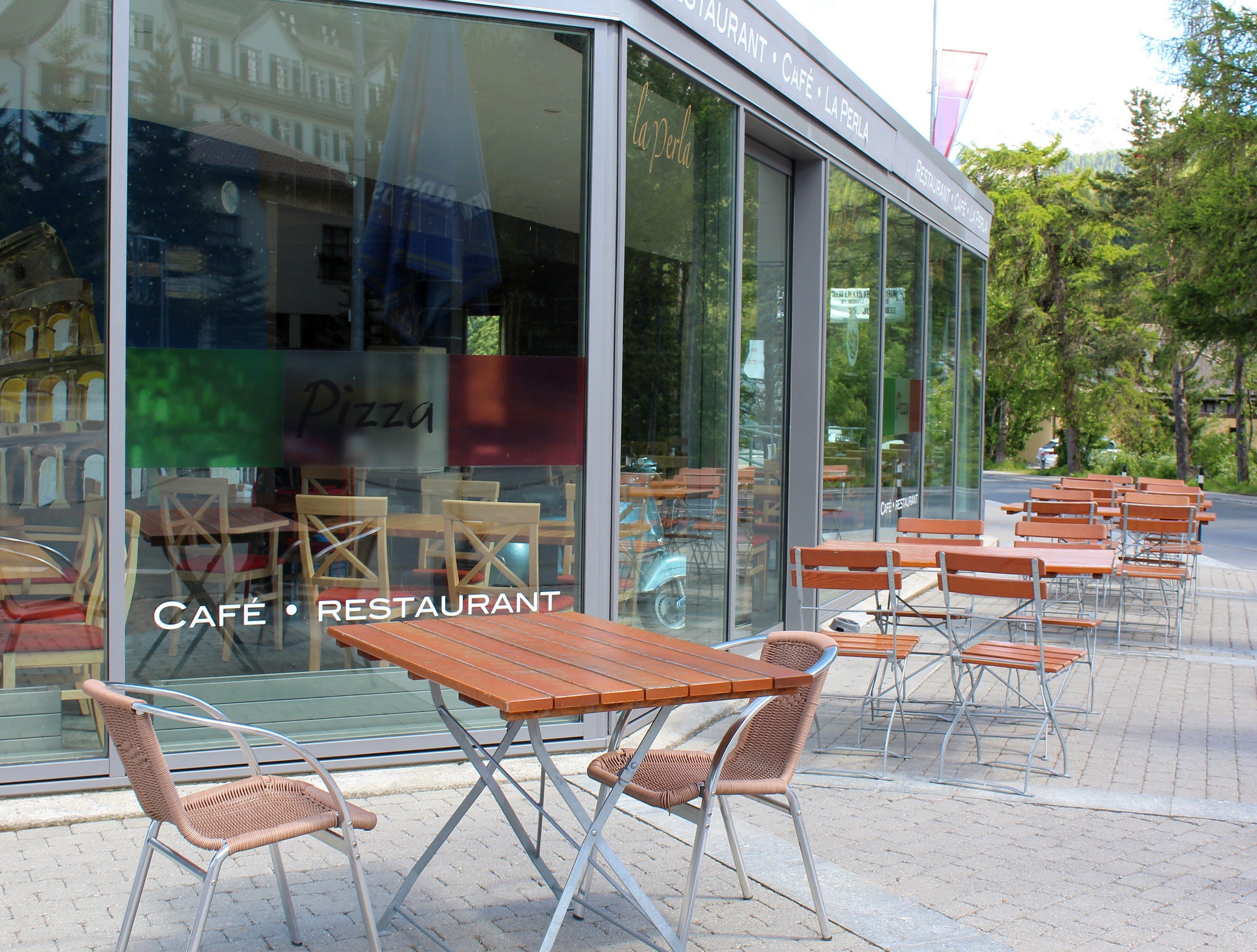 Café-Restaurant La Perla Slide 3