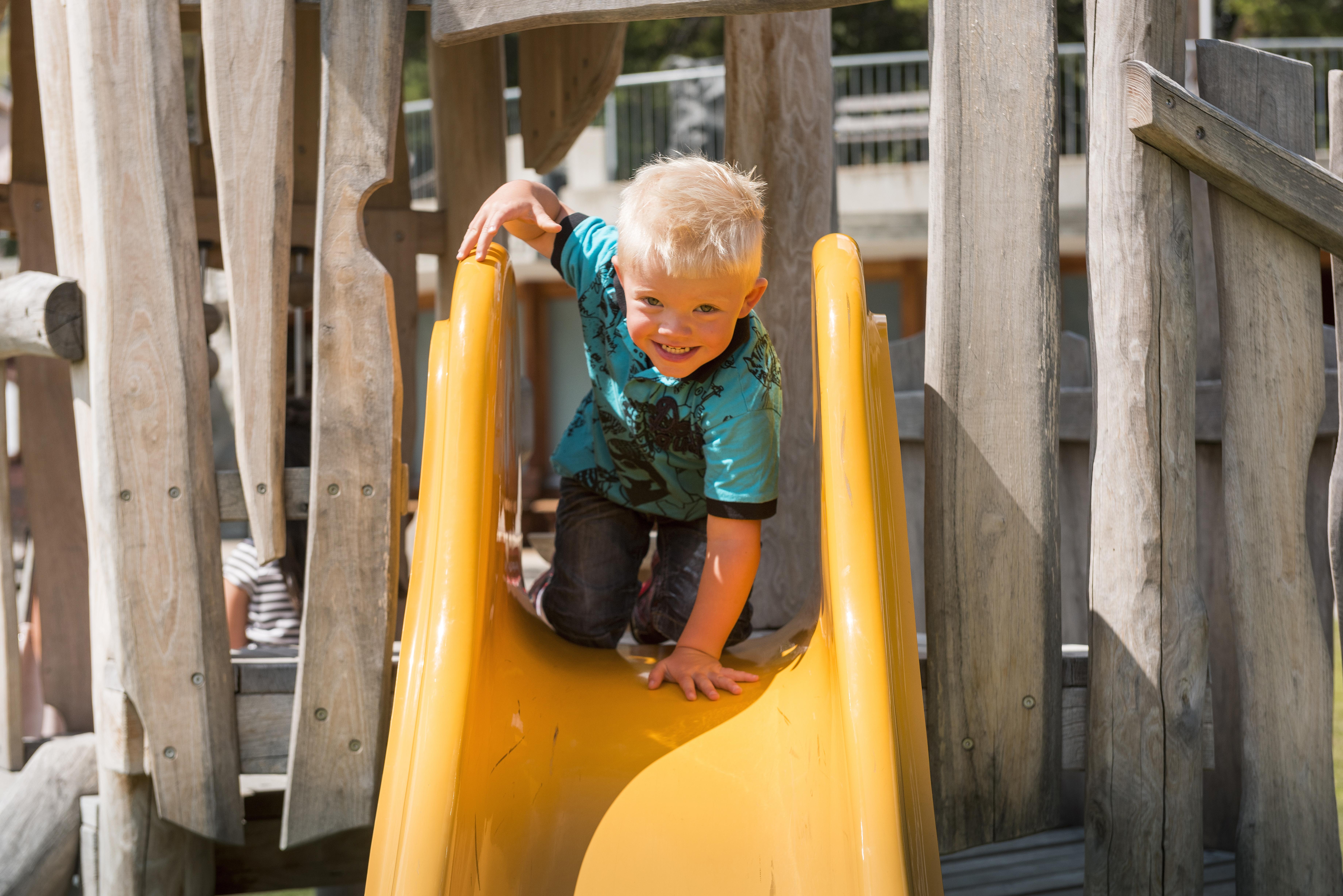 Kinderspielplatz beim Center da Sport Slide 4