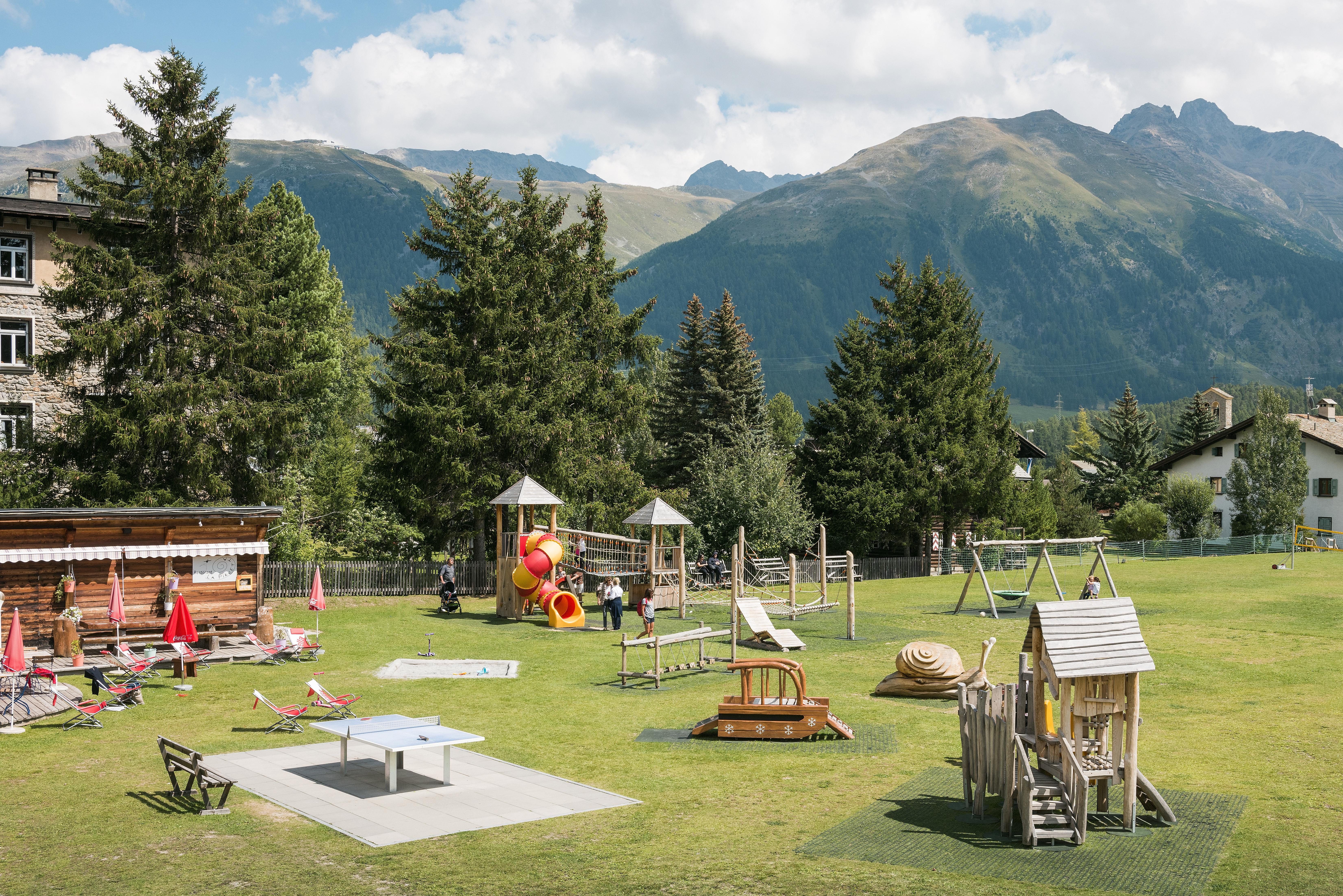 Kinderspielplatz beim Center da Sport Slide 6