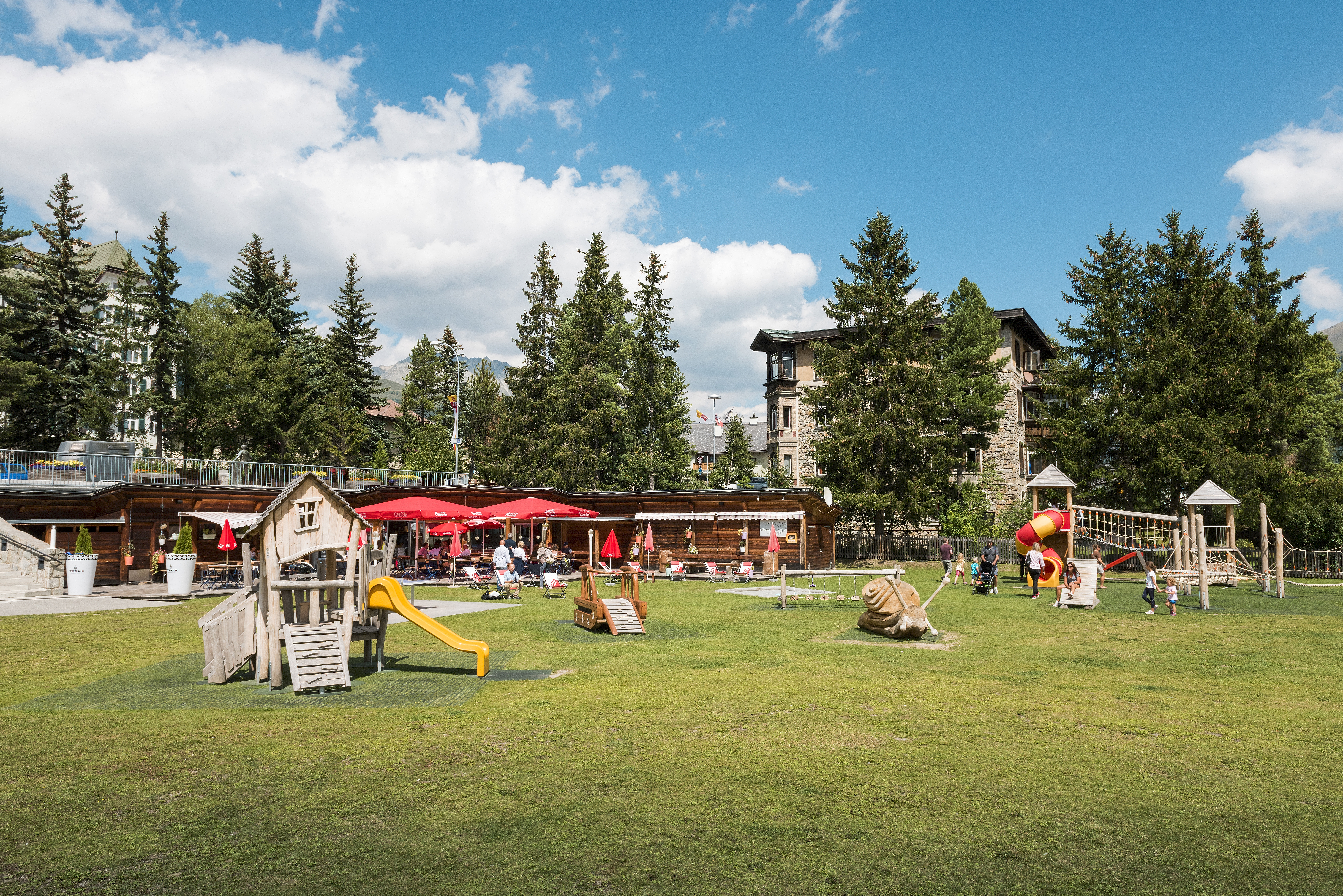 Kinderspielplatz beim Center da Sport Slide 7