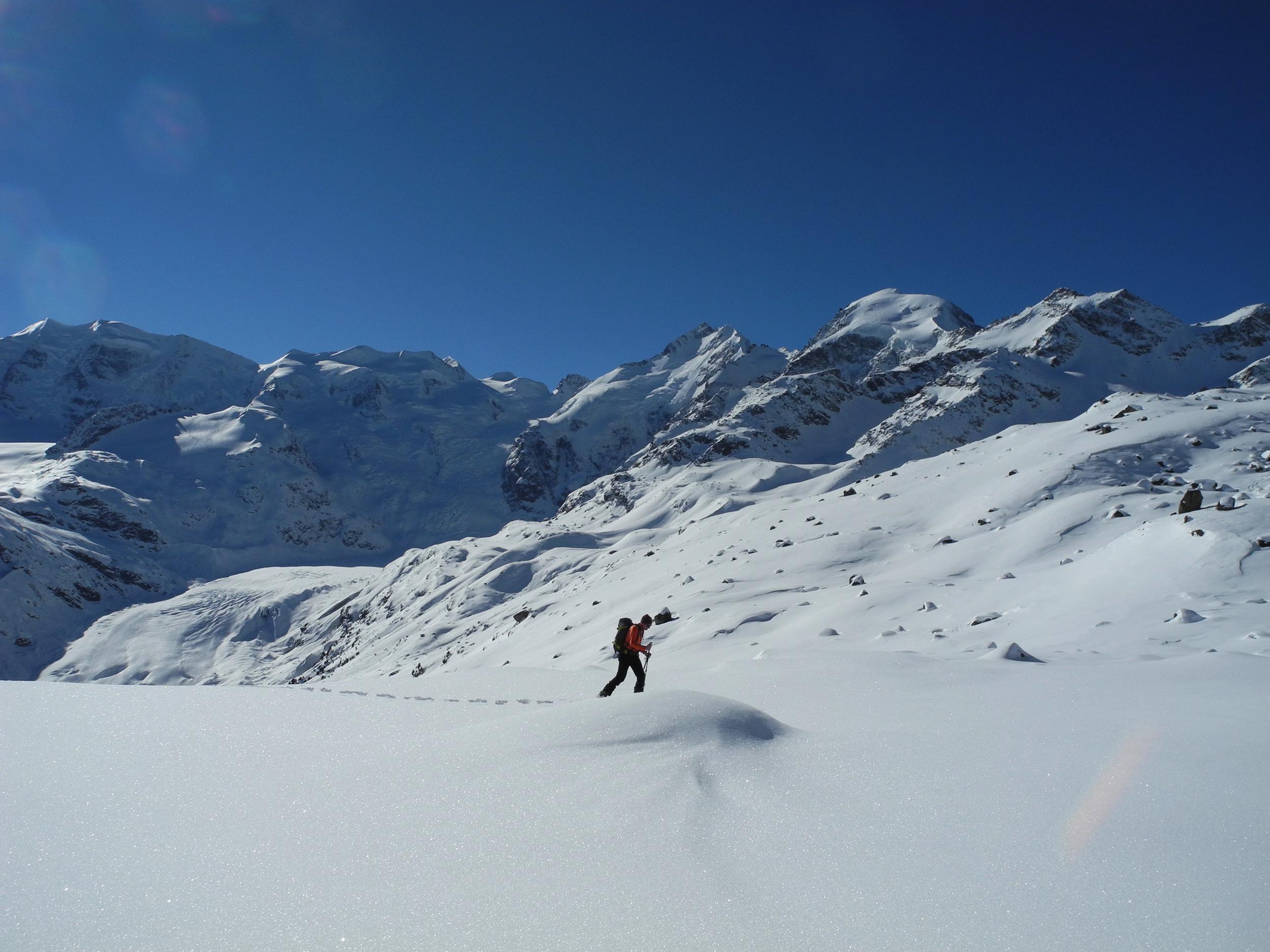 Bernina Trekking (Rudolf Wiesner, Schneeschuhwanderleiter mit Eidg. Fachausweis) Slide 1
