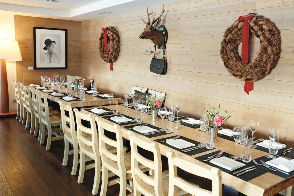 Stars Restaurant Slide 3