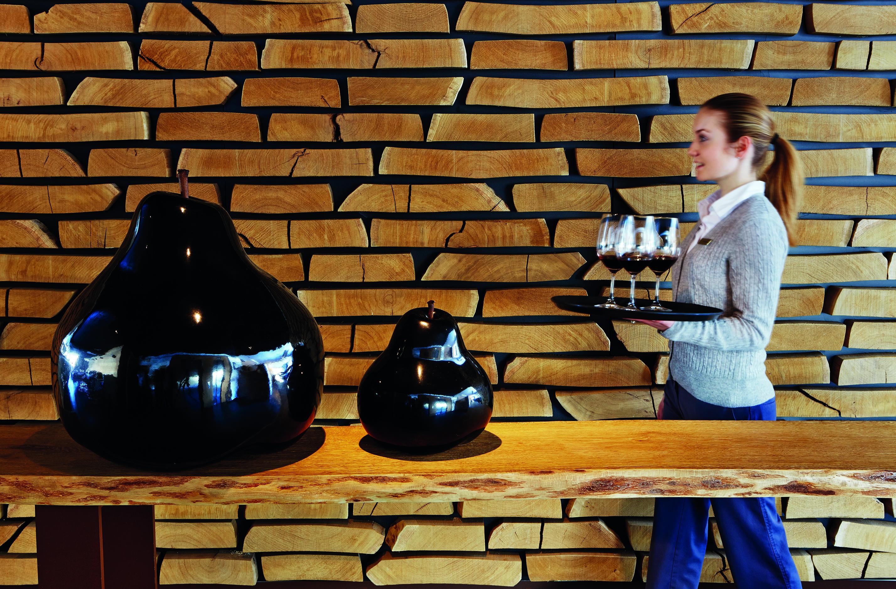 Stars Restaurant Slide 4