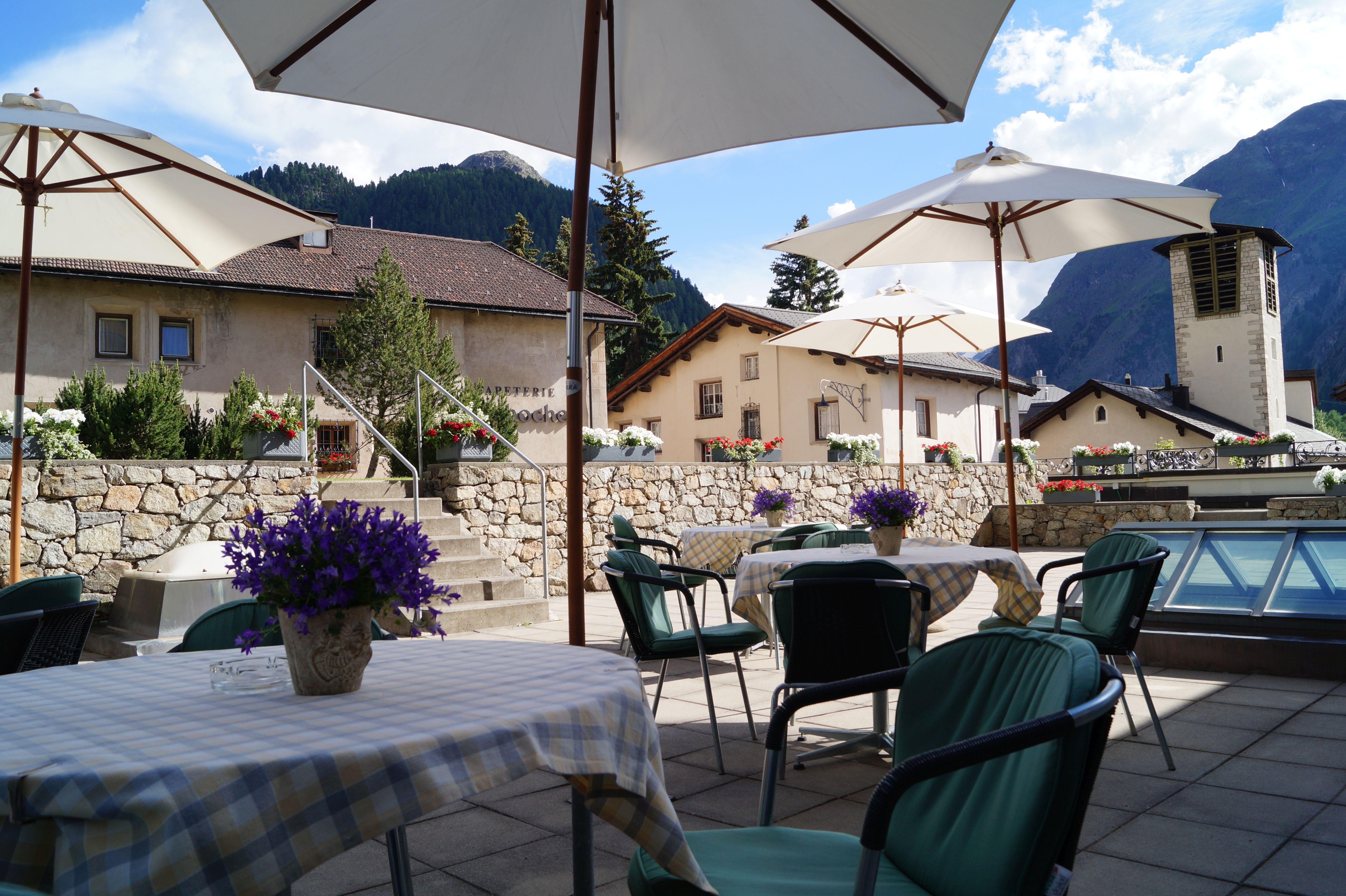 Restaurant Au Premier Hotel Schweizerhof Slide 3
