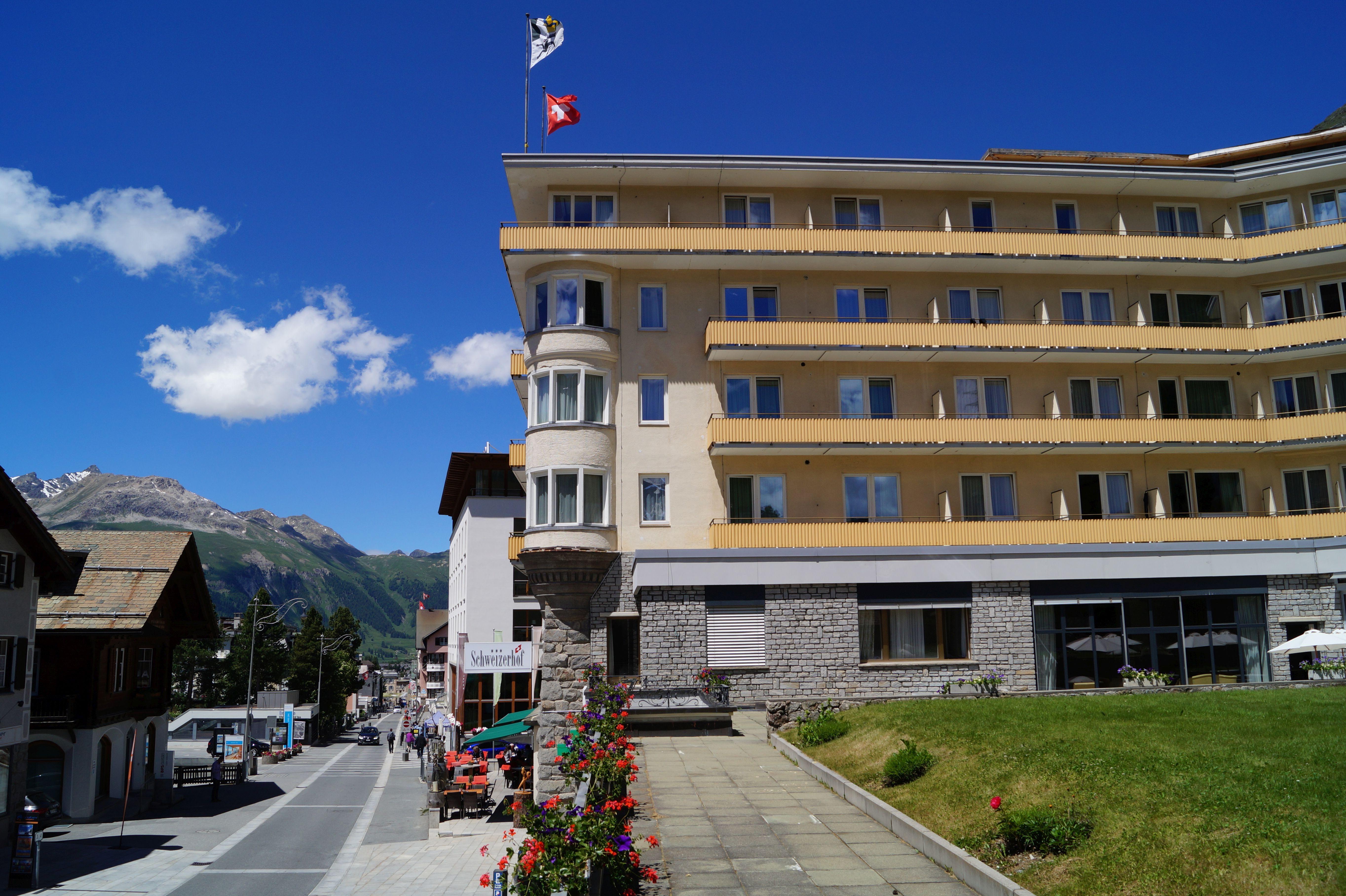 Restaurant Au Premier Hotel Schweizerhof Slide 4