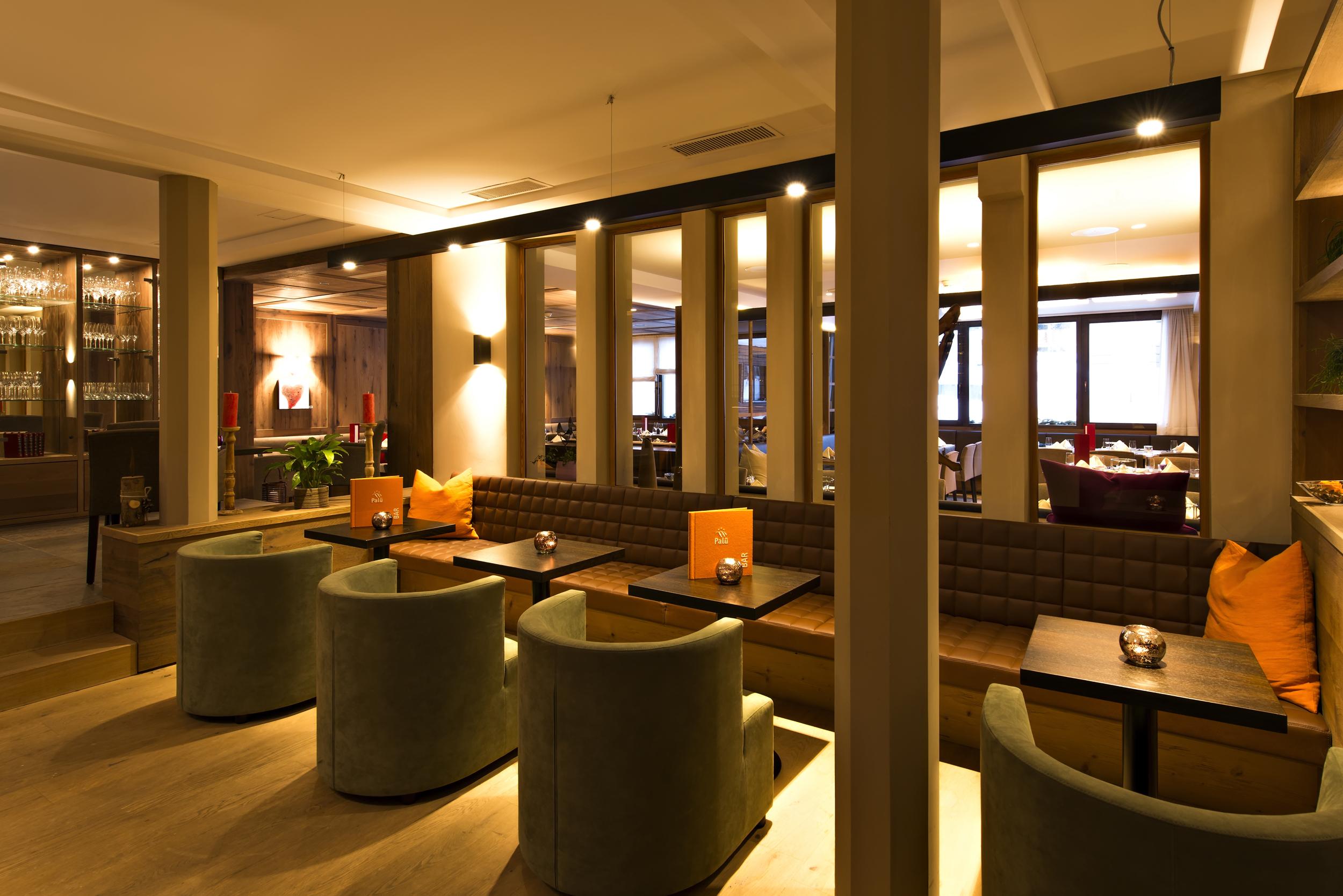 Palü Lounge & Bar Slide 3