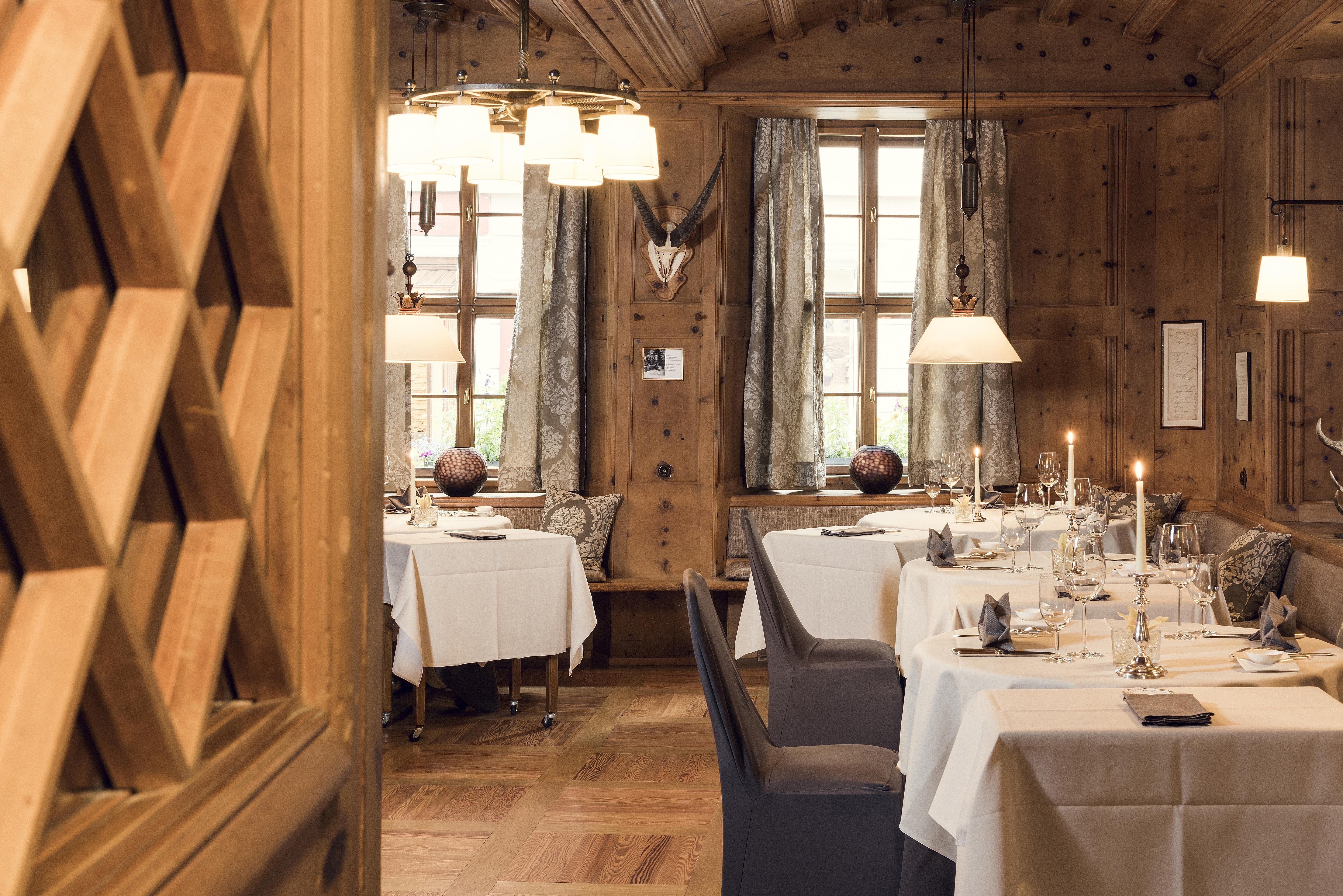 Grand Hotel Kronenhof - Gourmet Restaurant Kronenstübli Slide 3