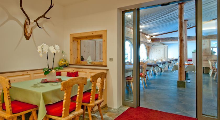 Restaurant Chesa Grischa Slide 1