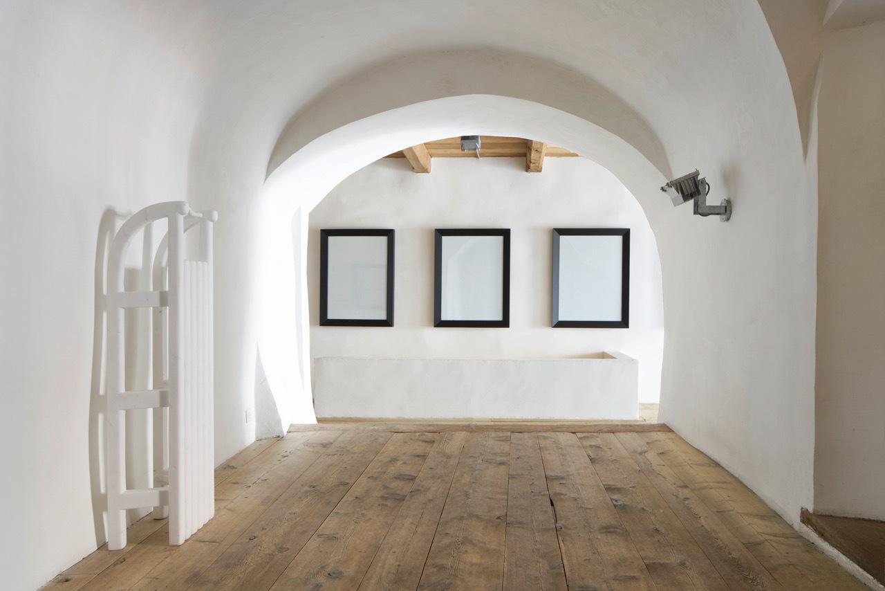 Galerie Tschudi Slide 2