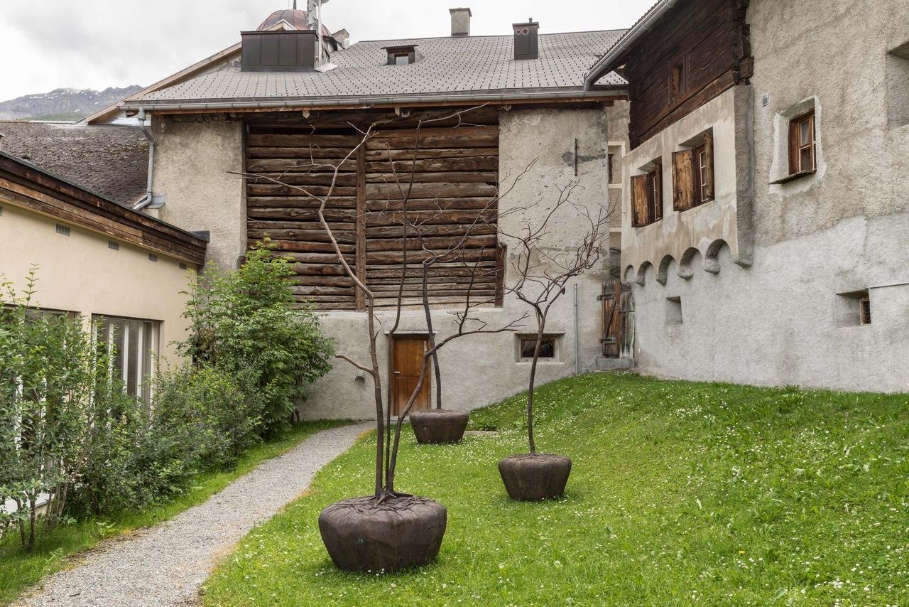 Galerie Tschudi Slide 4