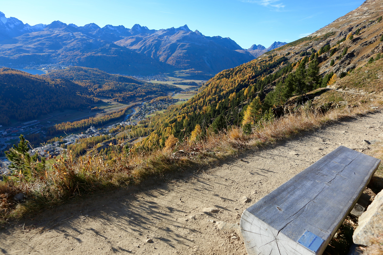 Sitzbänke Panoramaweg Muottas-Muragl - Alp Languard Slide 12