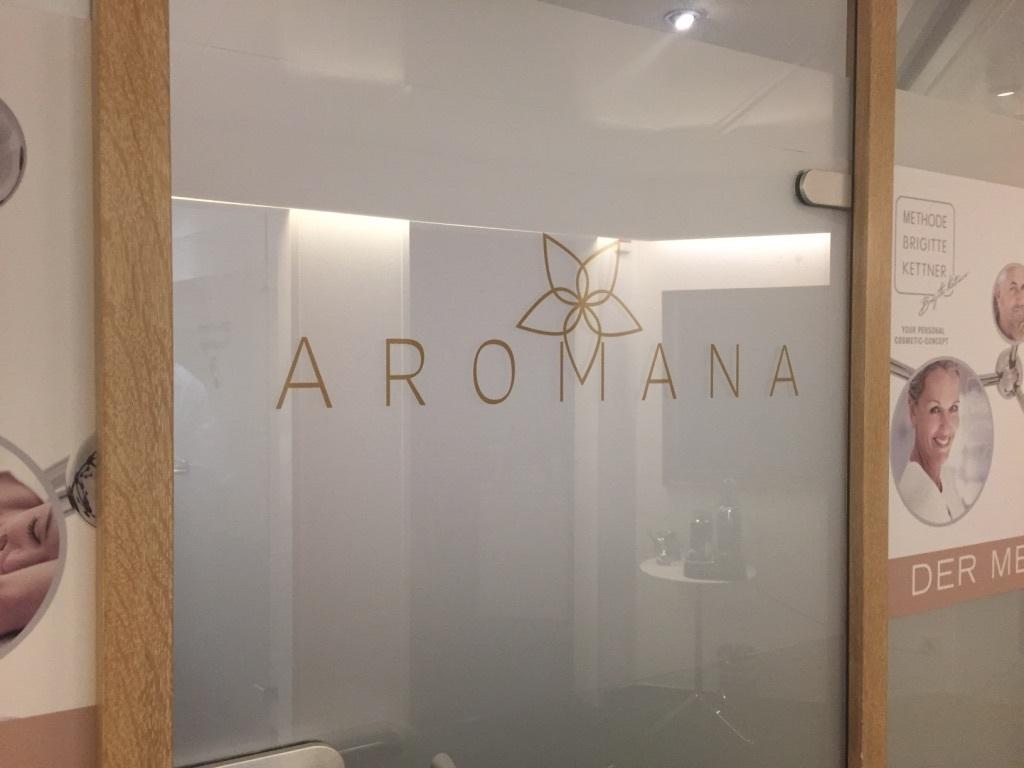 Aromana Holistic Beauty Lounge Slide 1
