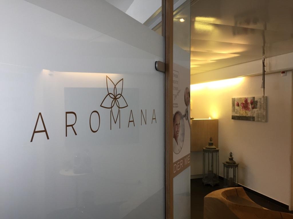 Aromana Holistic Beauty Lounge Slide 2