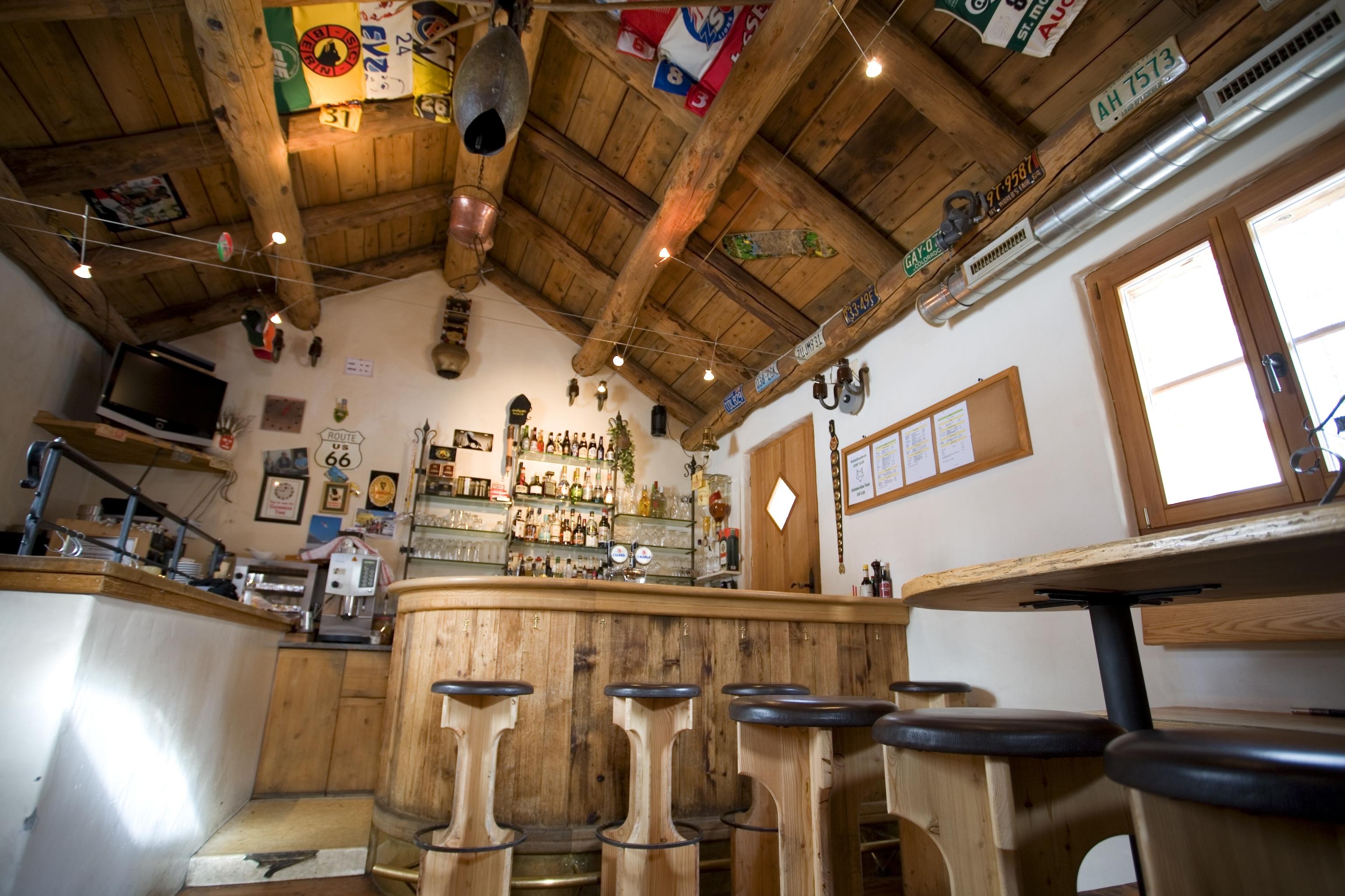Bar Cetto Slide 2