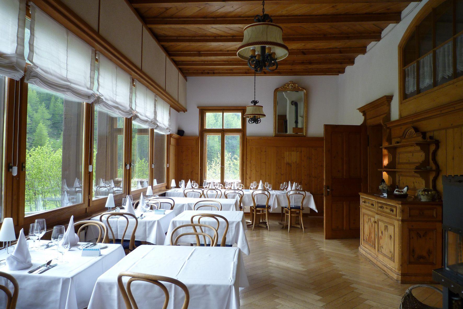 Hotel Fex Berghotel & Restaurant Slide 1