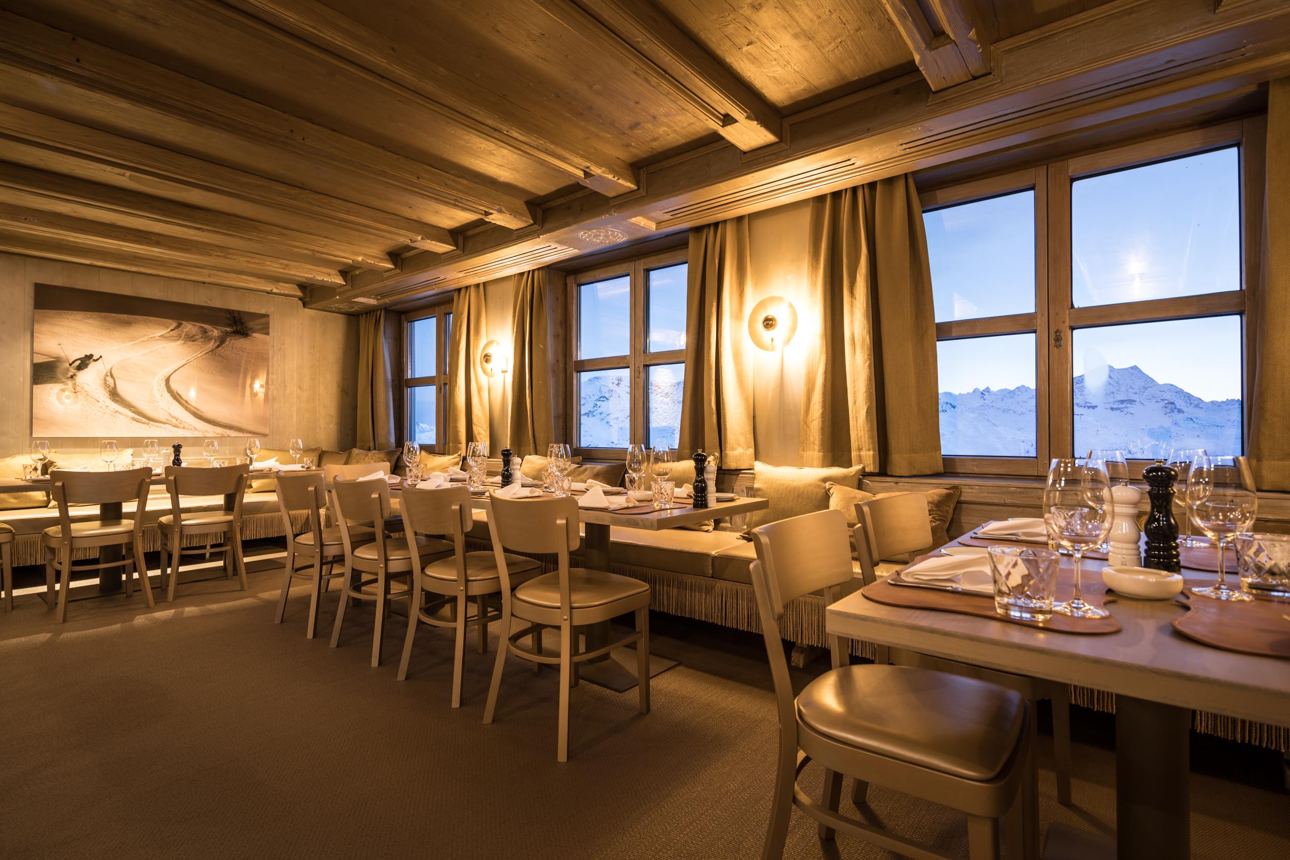 White Marmot Restaurant & Bar Slide 2