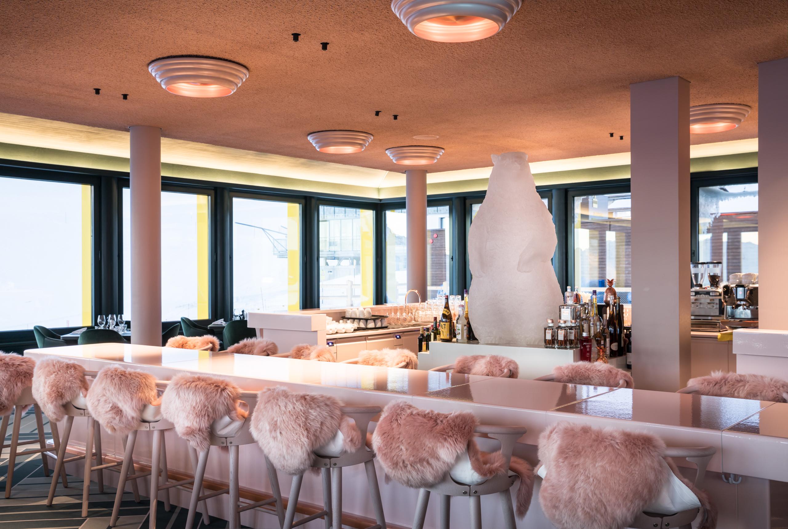 White Marmot Restaurant & Bar Slide 4