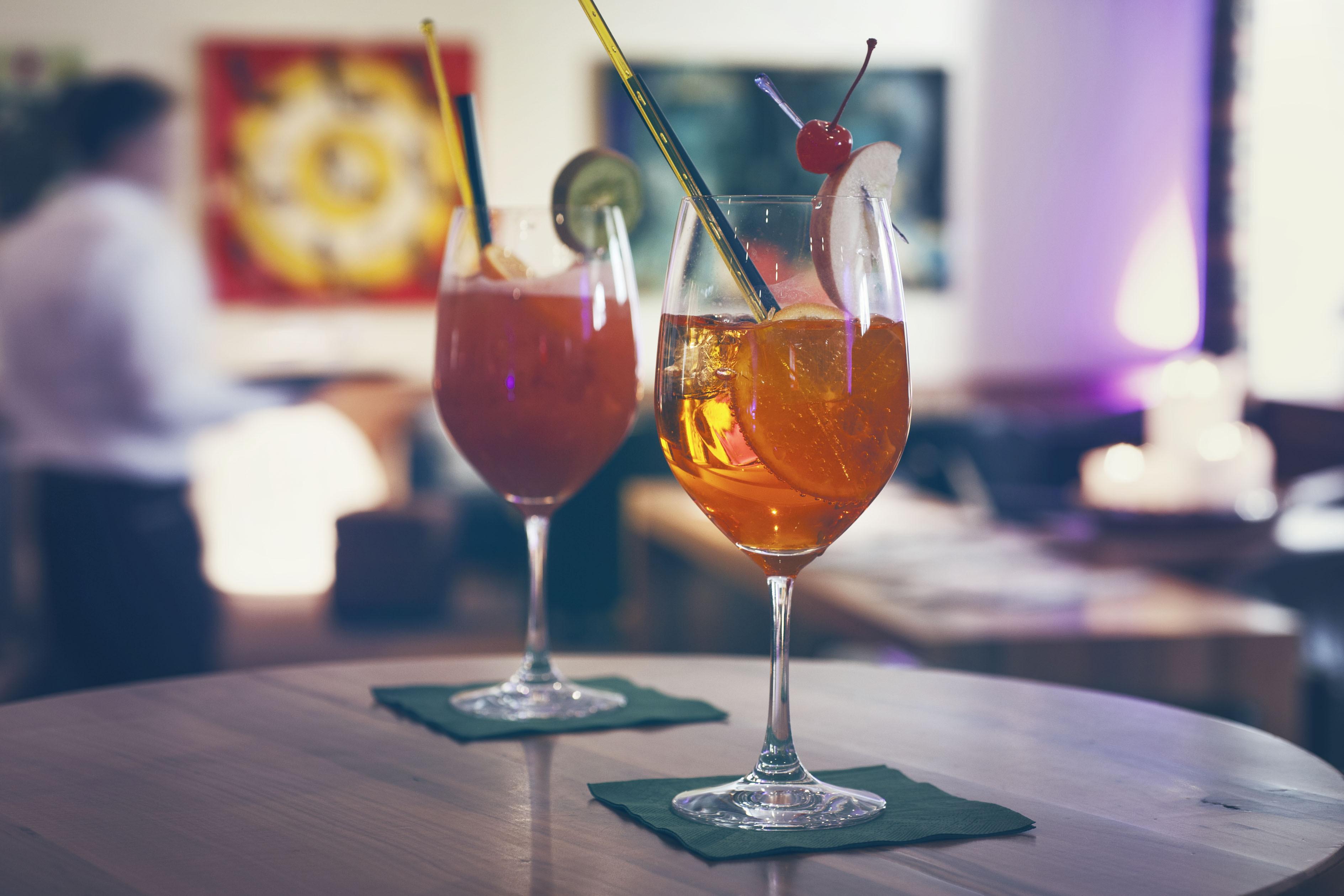 Lounge-Bar Slide 1