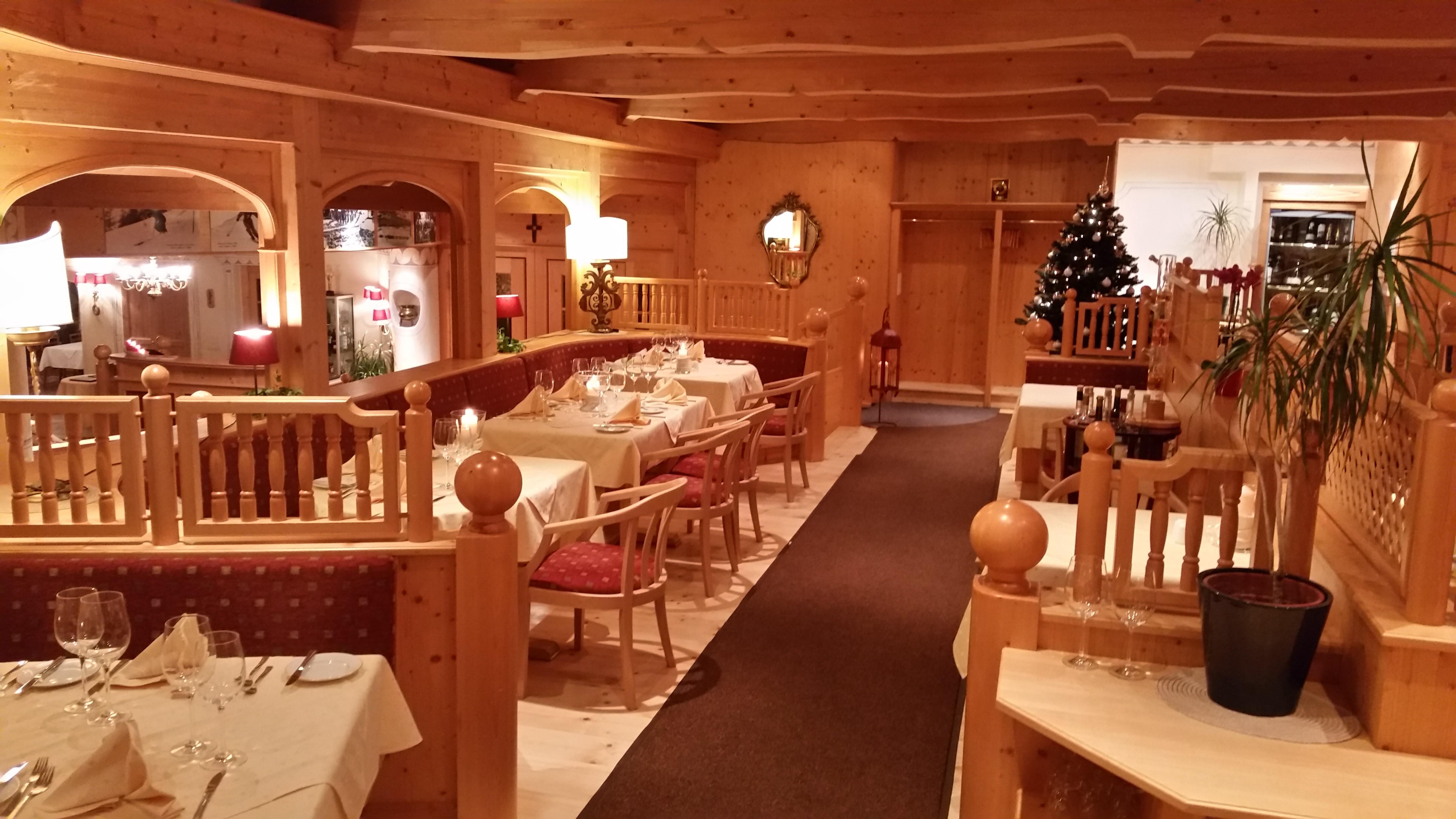 Olympia Restaurant Slide 2