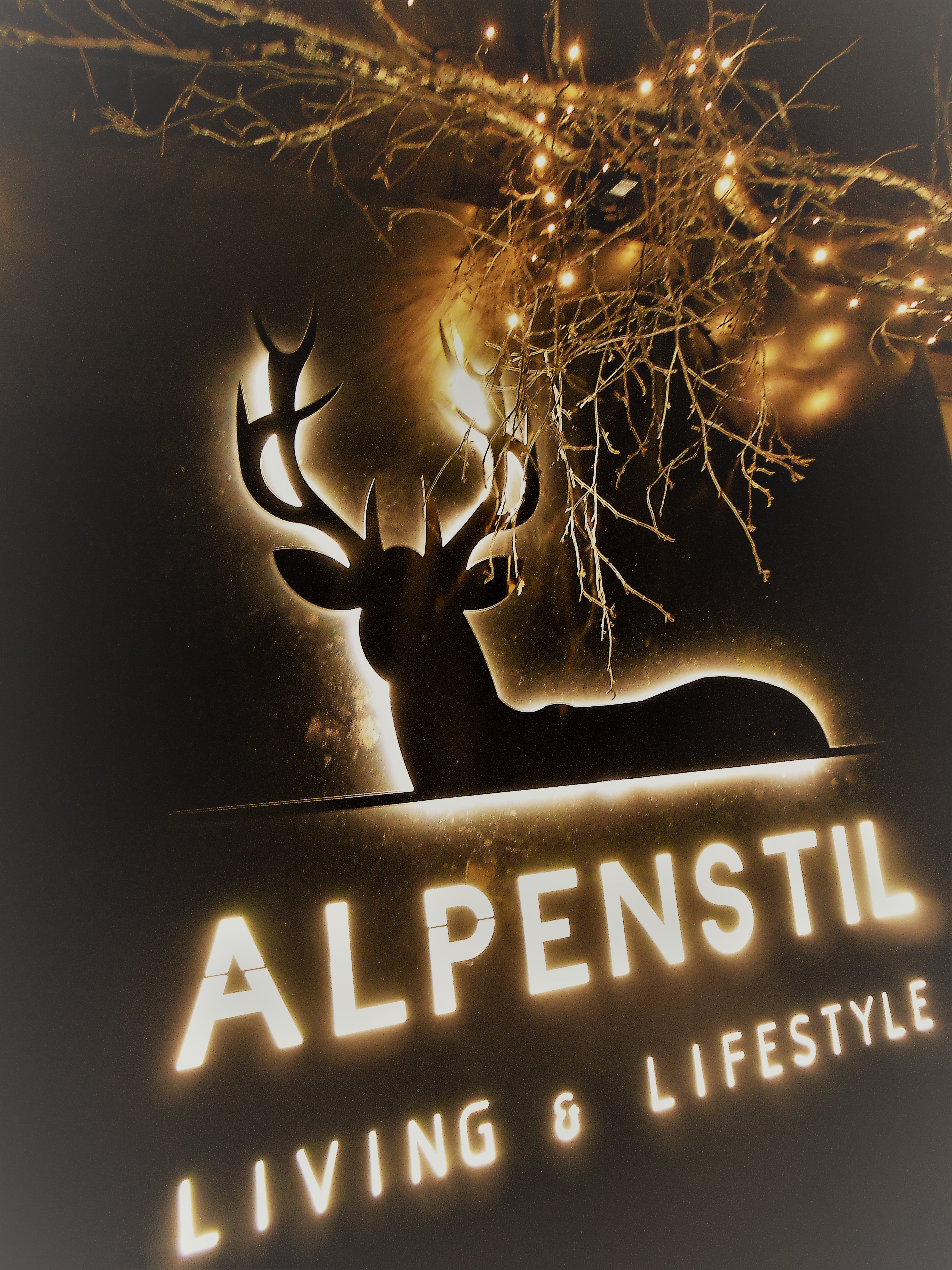 Alpenstil und CK Interieur & Immobilien Slide 8