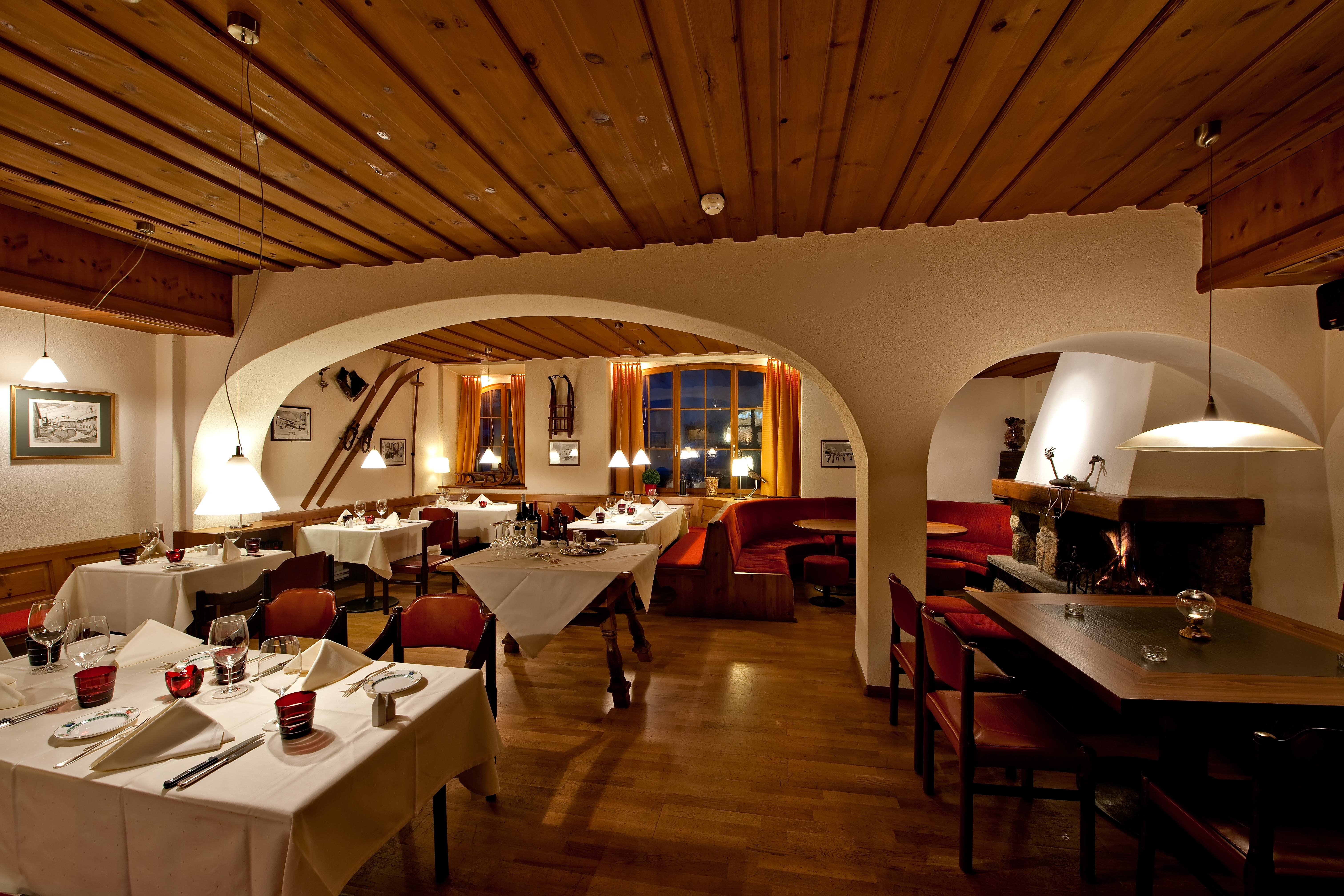 Restaurant & Bar Chamanna Slide 2