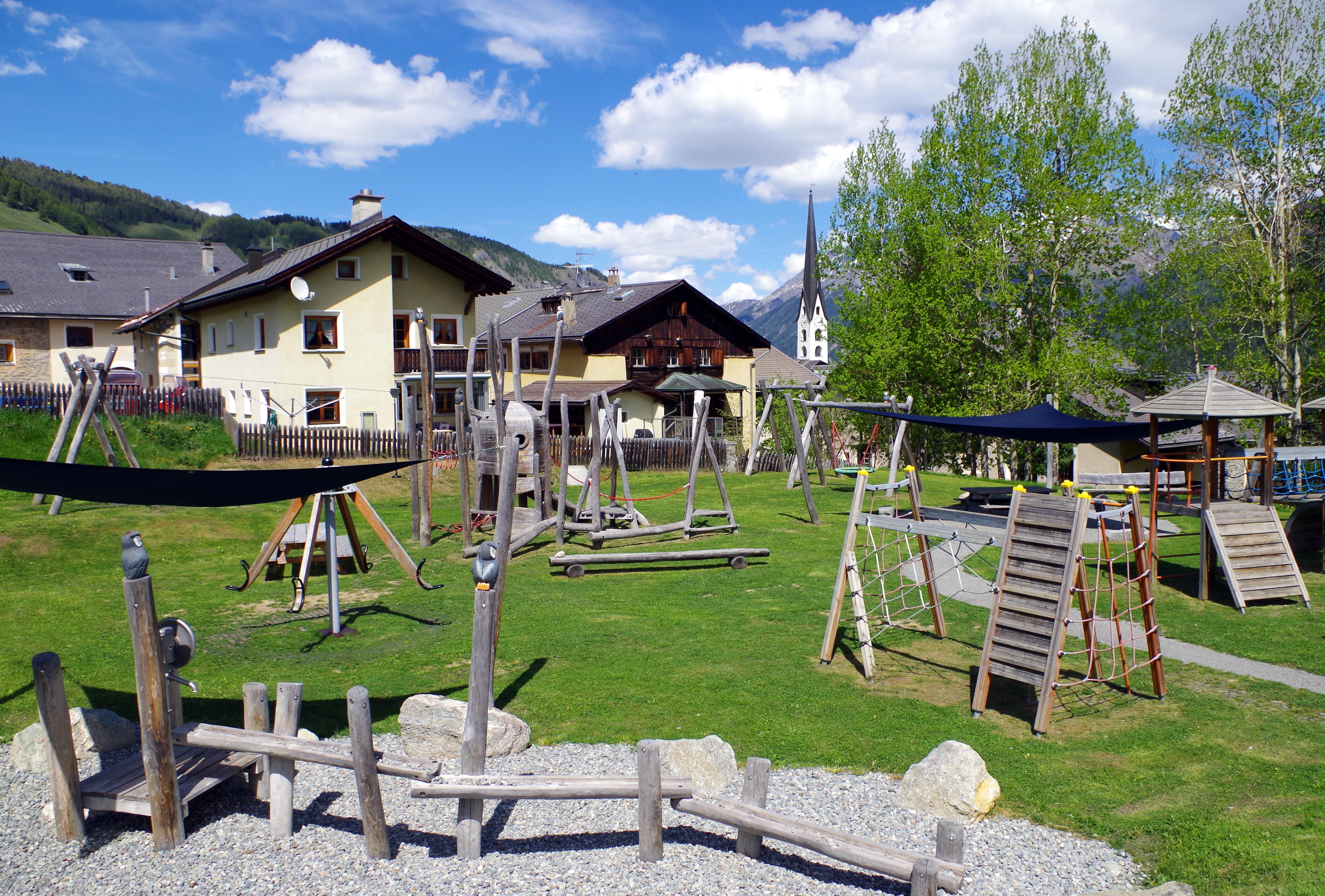 Kinderspielplatz Eulalia Slide 1