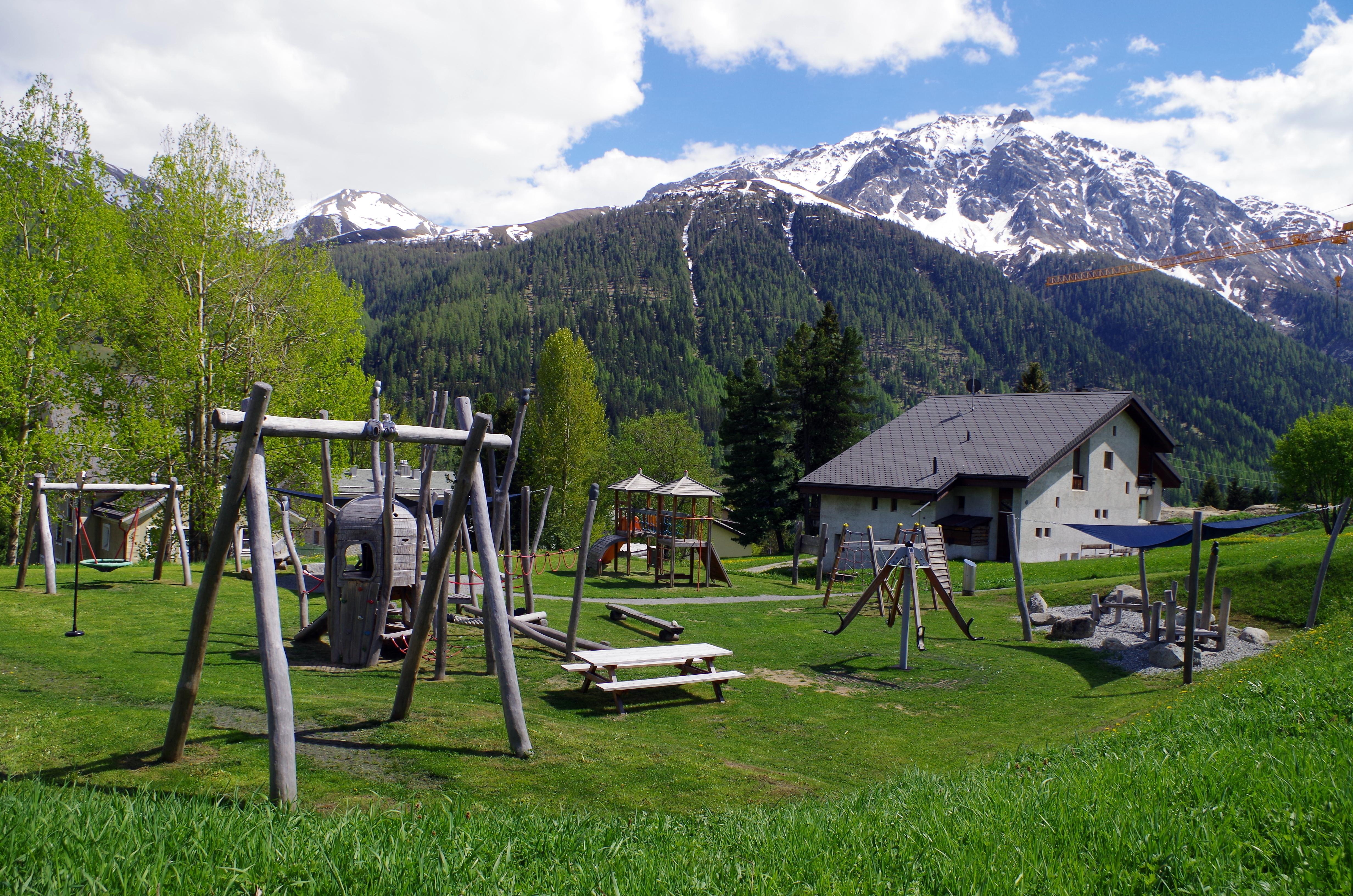 Kinderspielplatz Eulalia Slide 2