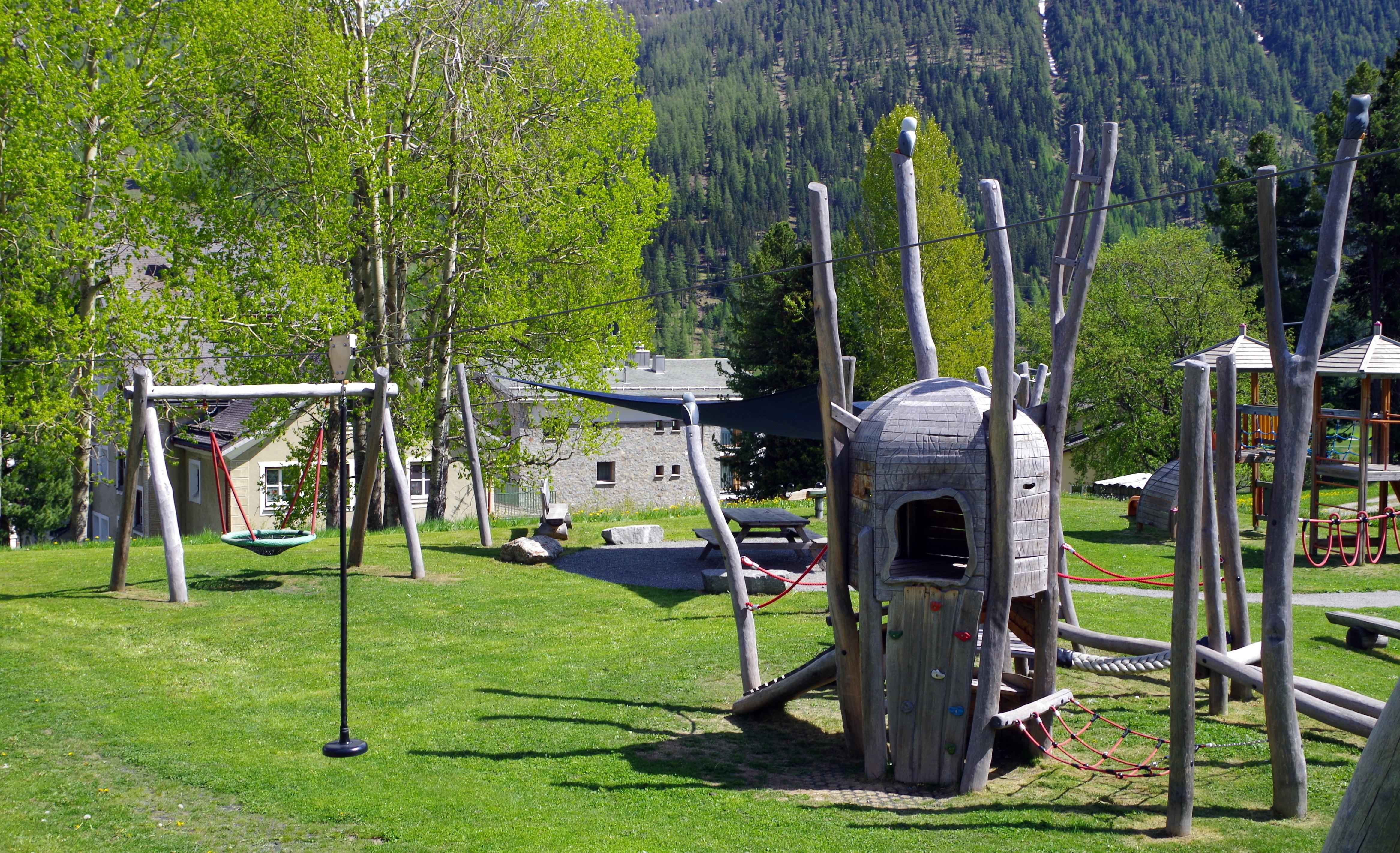 Kinderspielplatz Eulalia Slide 3
